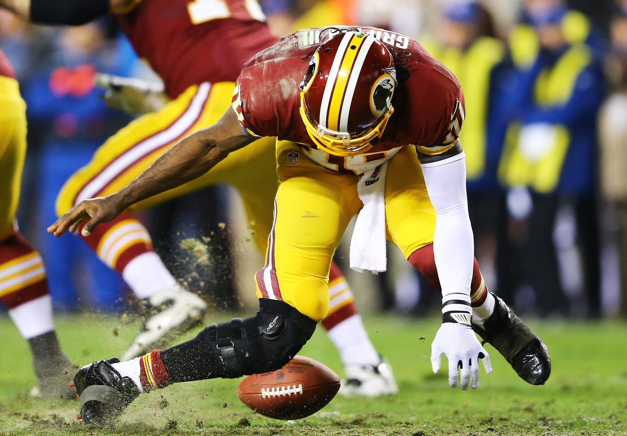 Play that injured Robert Griffin III.