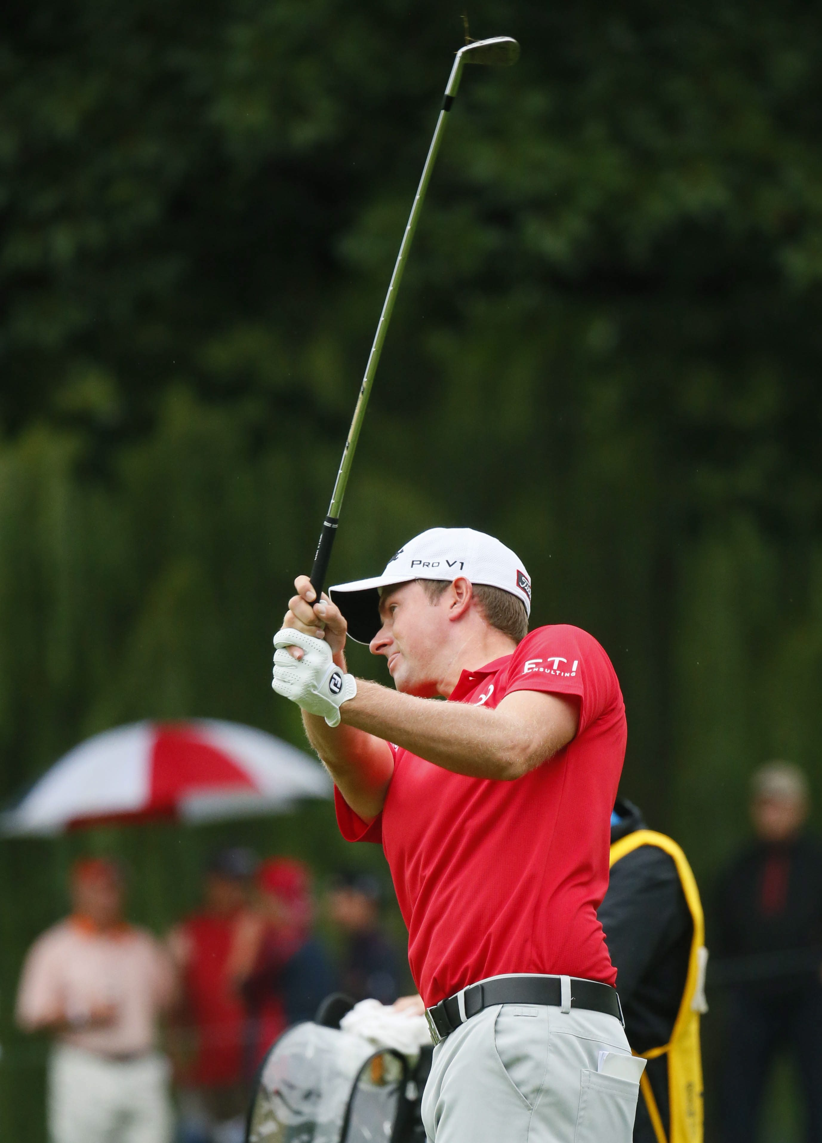 Webb Simpson's 64 at Oak Hill would have been the talk of the day were it not for Jason Dufner's 63.