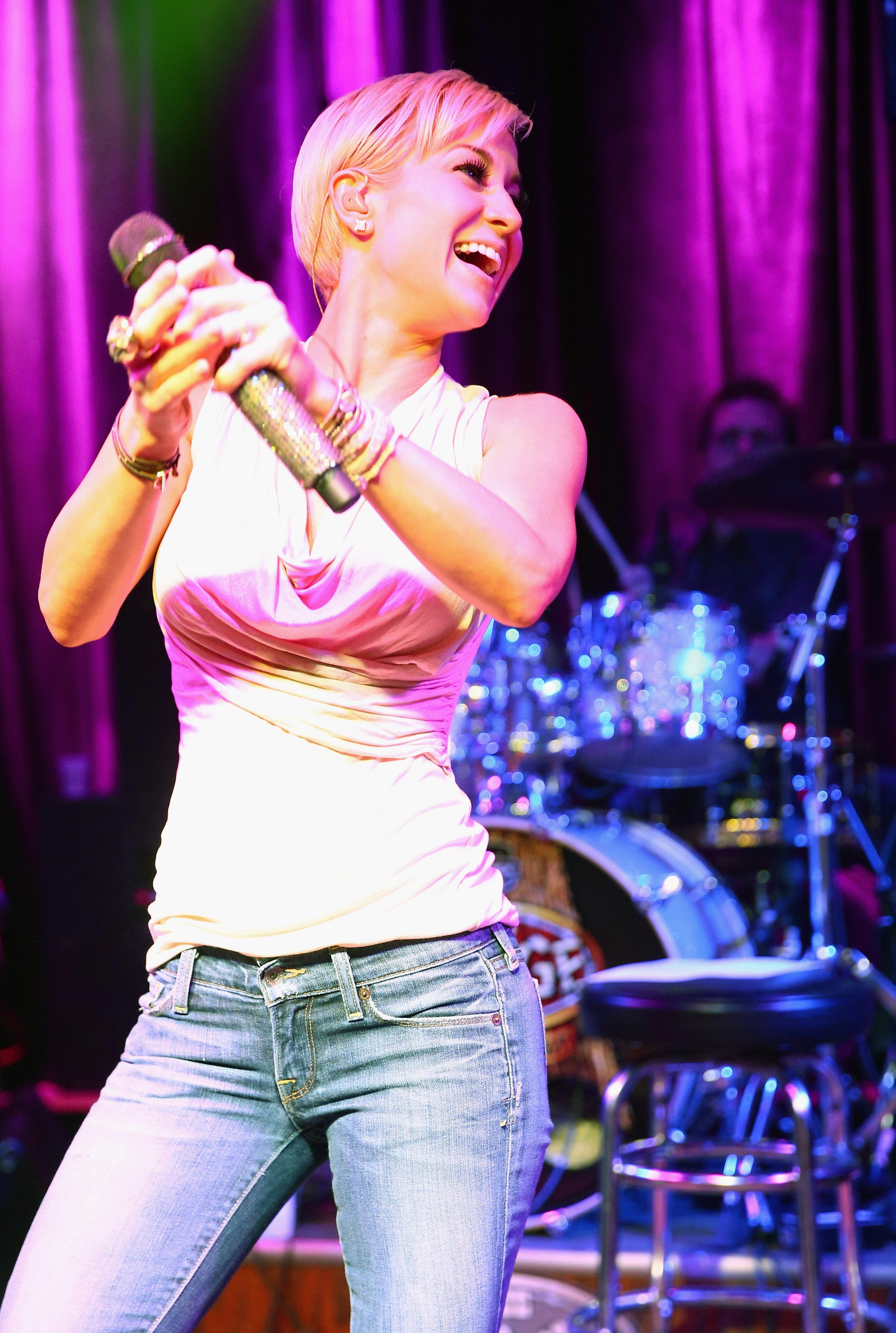 NASHVILLE, TN – JUNE 07:  Singer Kellie Pickler performs at The Stage on June 7, 2013 in Nashville, Tennessee.  (Photo by Christopher Polk/Getty Images)