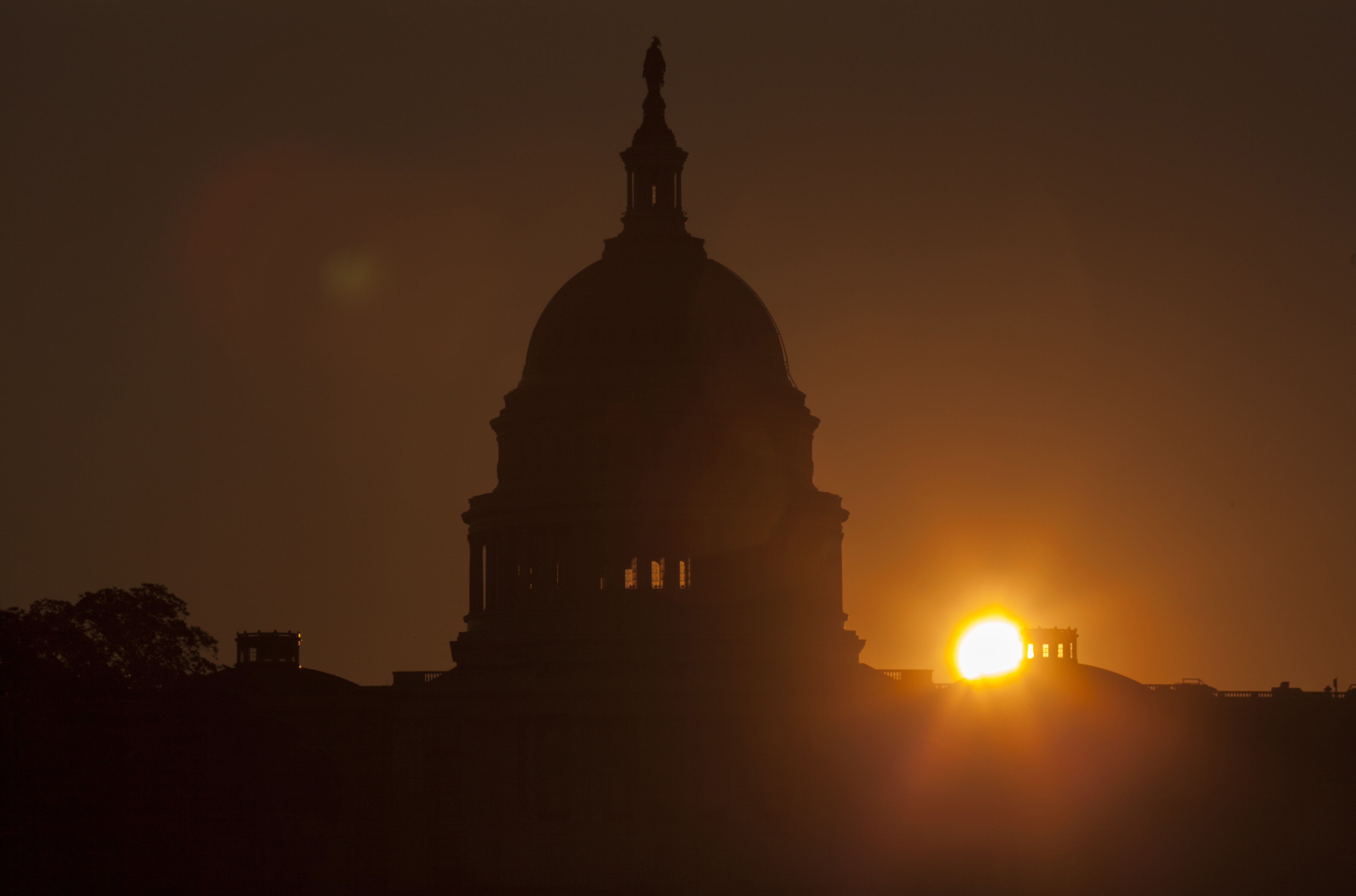 Congress has little time left to resolve its impasse over the budget. (AP photo)