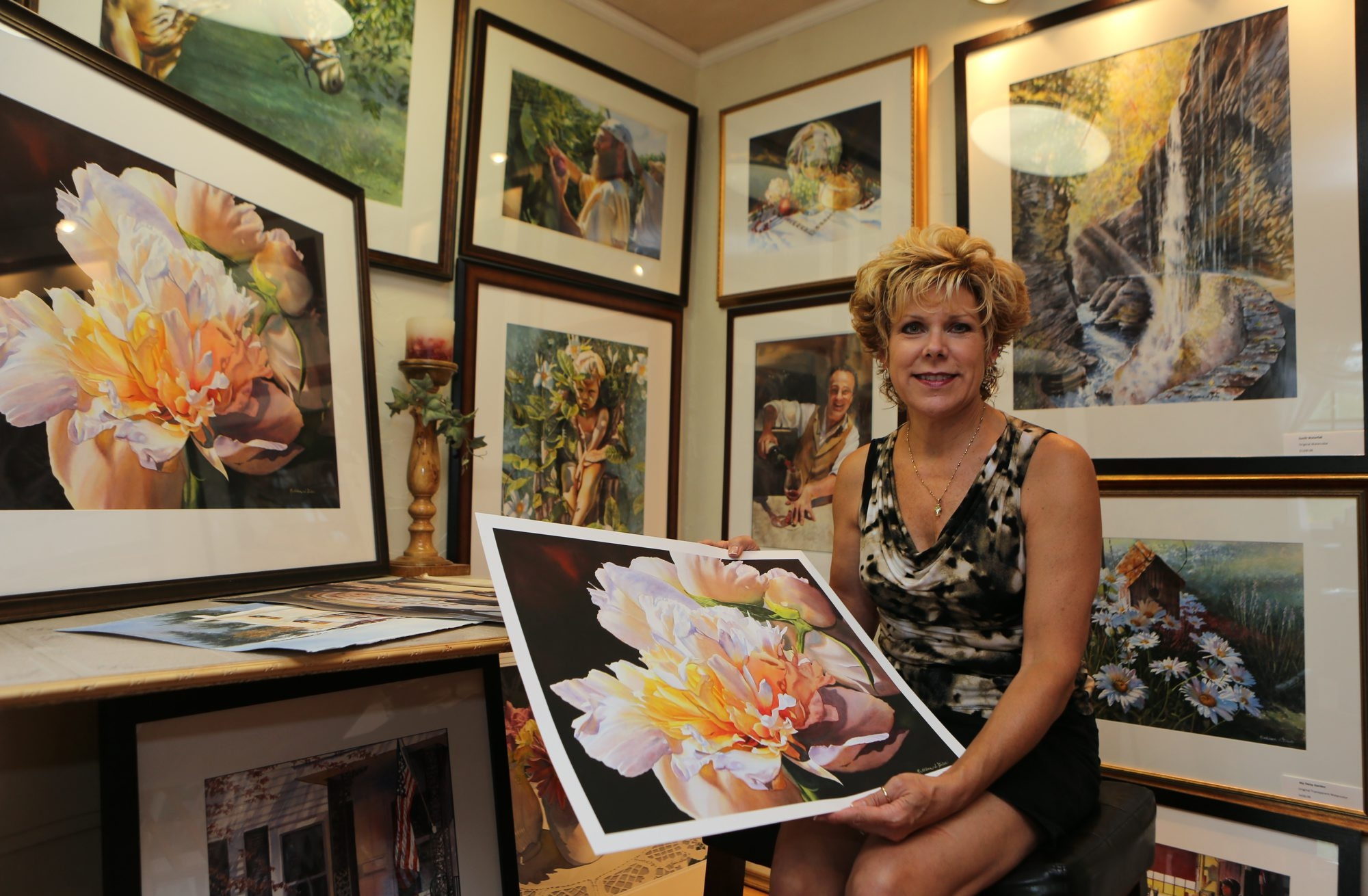 Watercolor artist magazine subscription - Artist Kathleen Giles Holds A Watercolor Painting Titled Peonies In The Spotlight One
