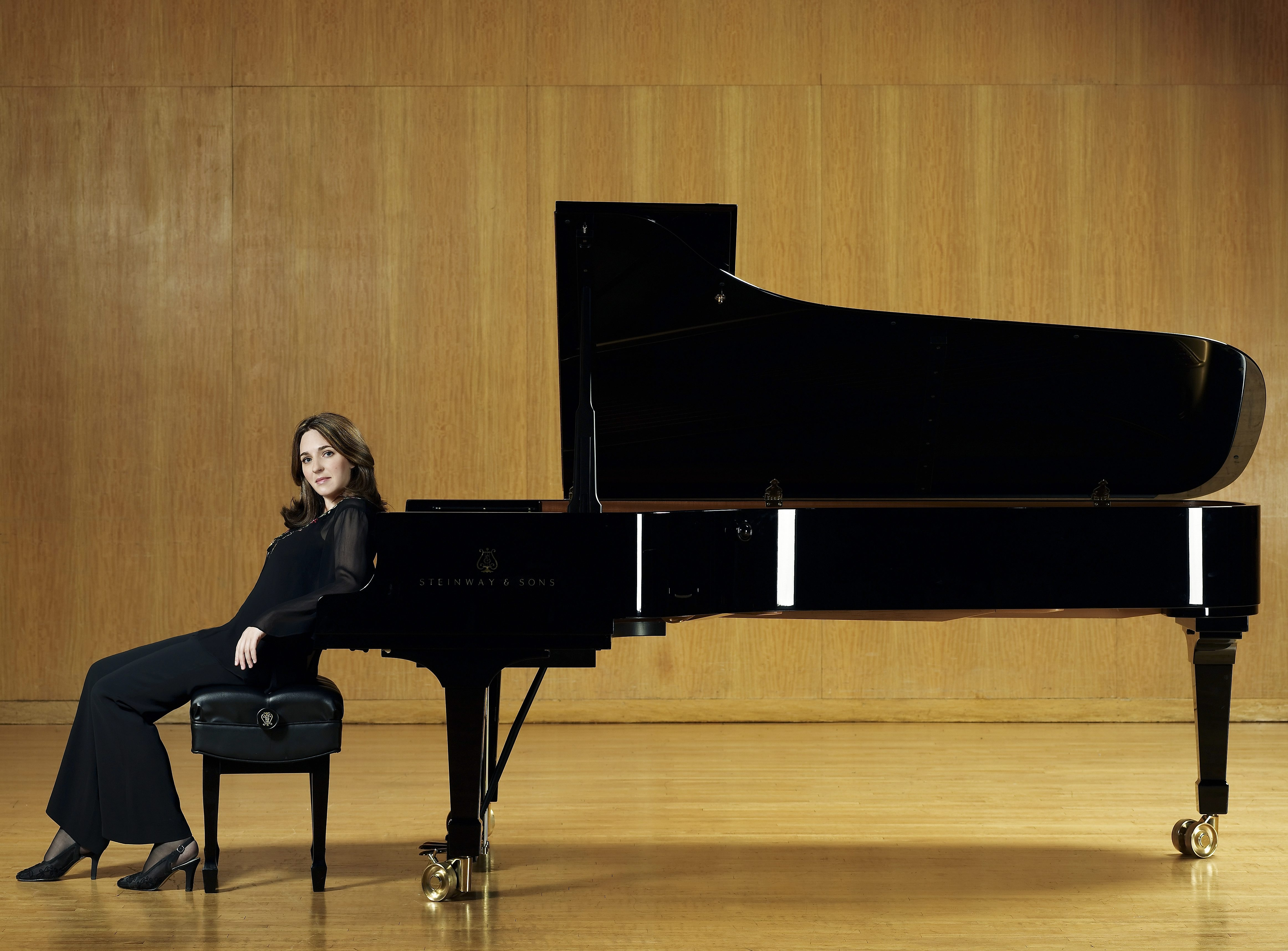 Pianist Simone Dinnerstein will play Beethoven's Piano Concerto No. 2 on Nov. 22 and 23 in Kleinhans Music Hall.
