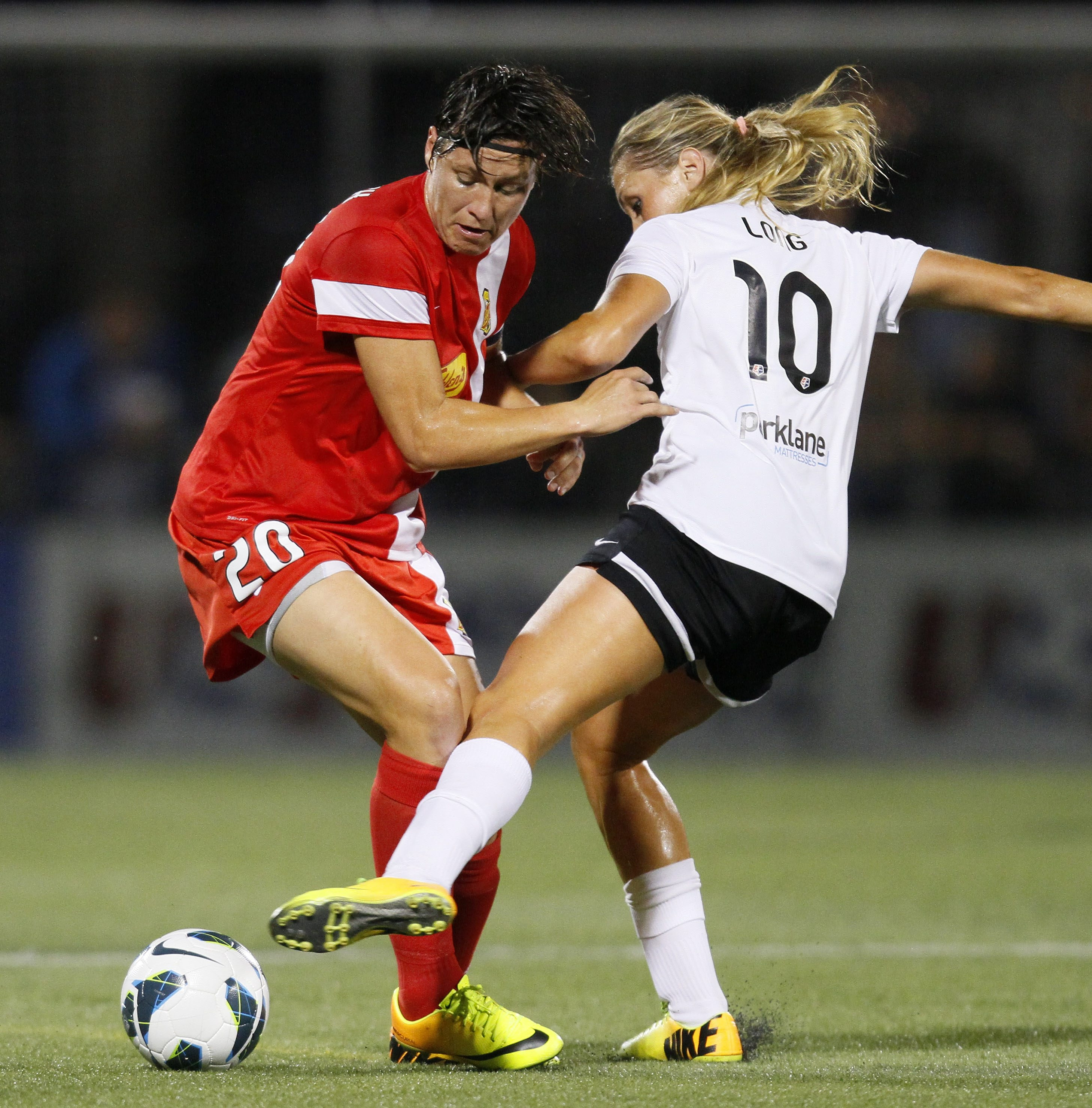 The play of WNY Flash star Abby Wambach (20) and her teammates impressed some fans from Elma.