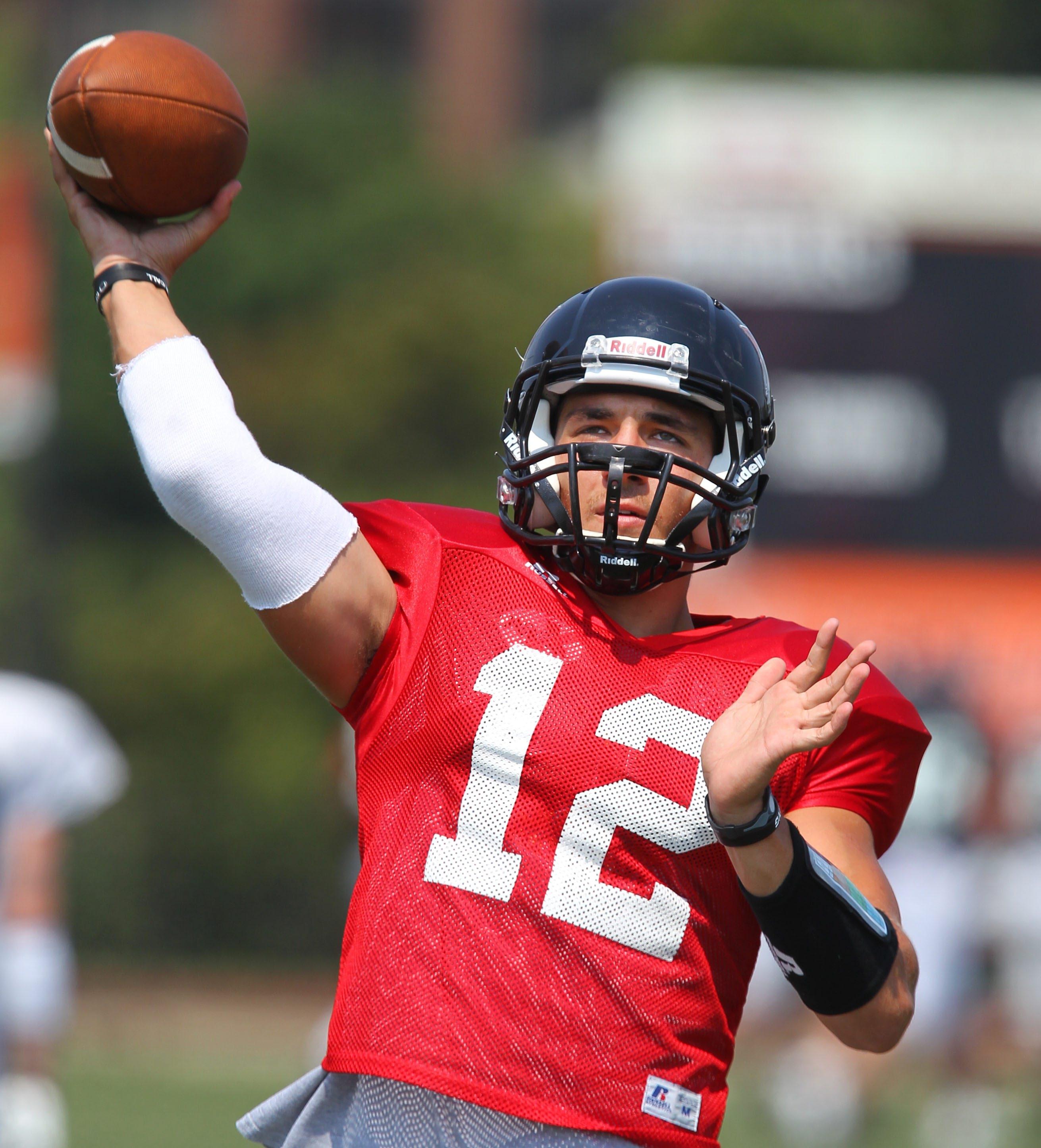 Quarterback Casey Kacz leads Buffalo State against Brockport on Saturday.