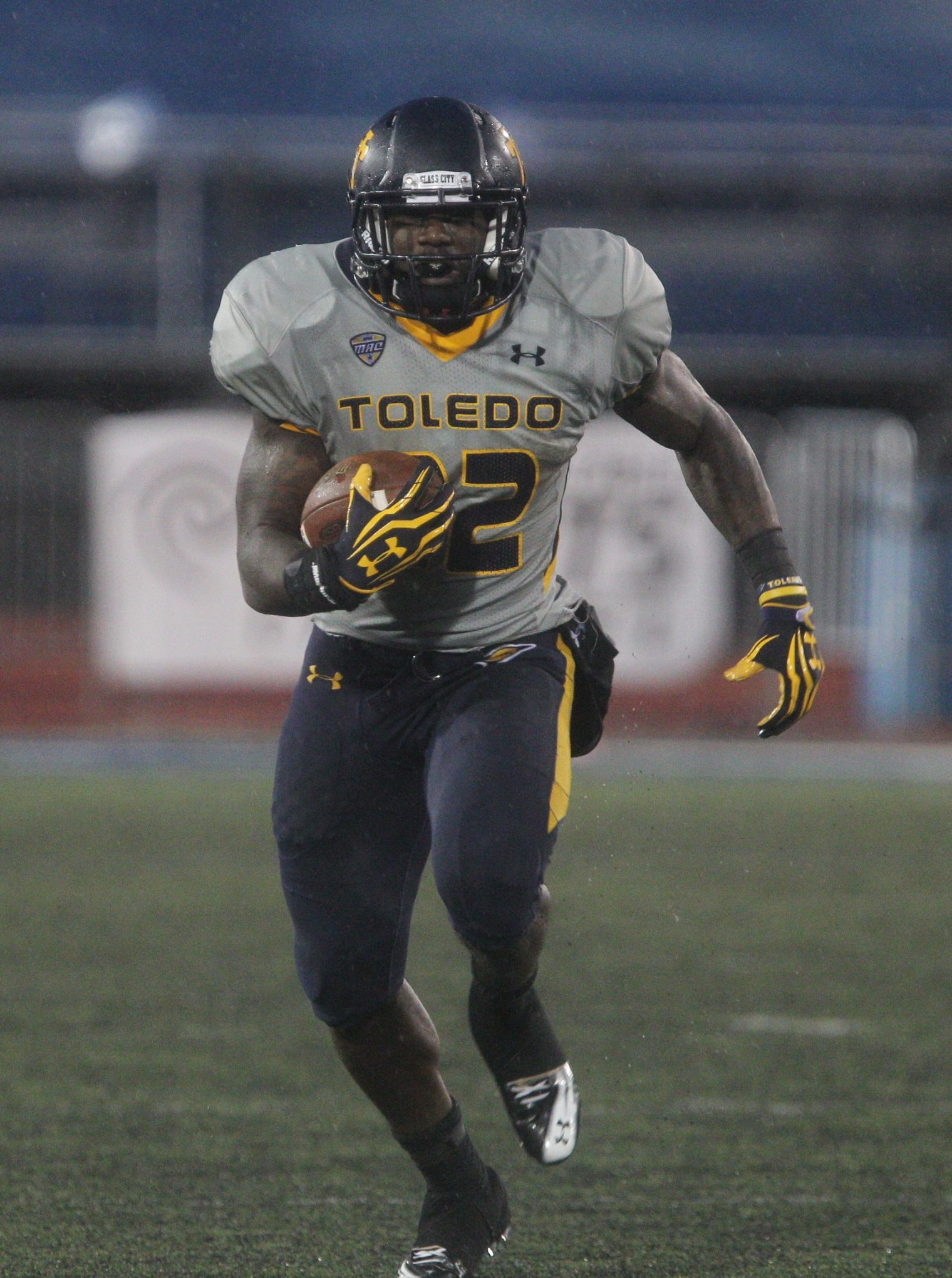 Lockport native David Fluellen rushed for 111 yards and had 100 yards receiving for Toledo last weekend.