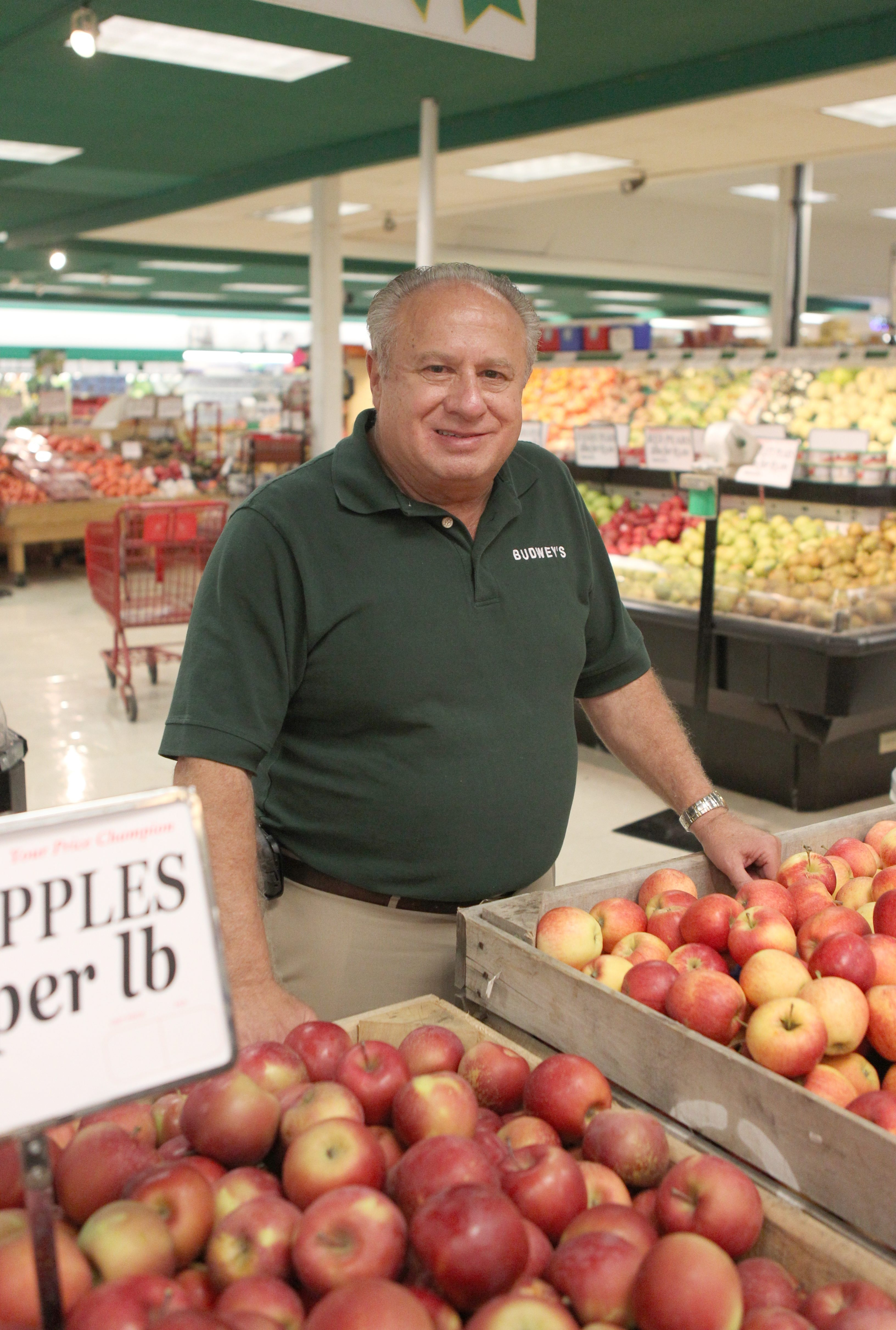 Frank Budwey grew up in the grocery business and used that knowledge to compete against some of the toughest competition in the supermarket industry.