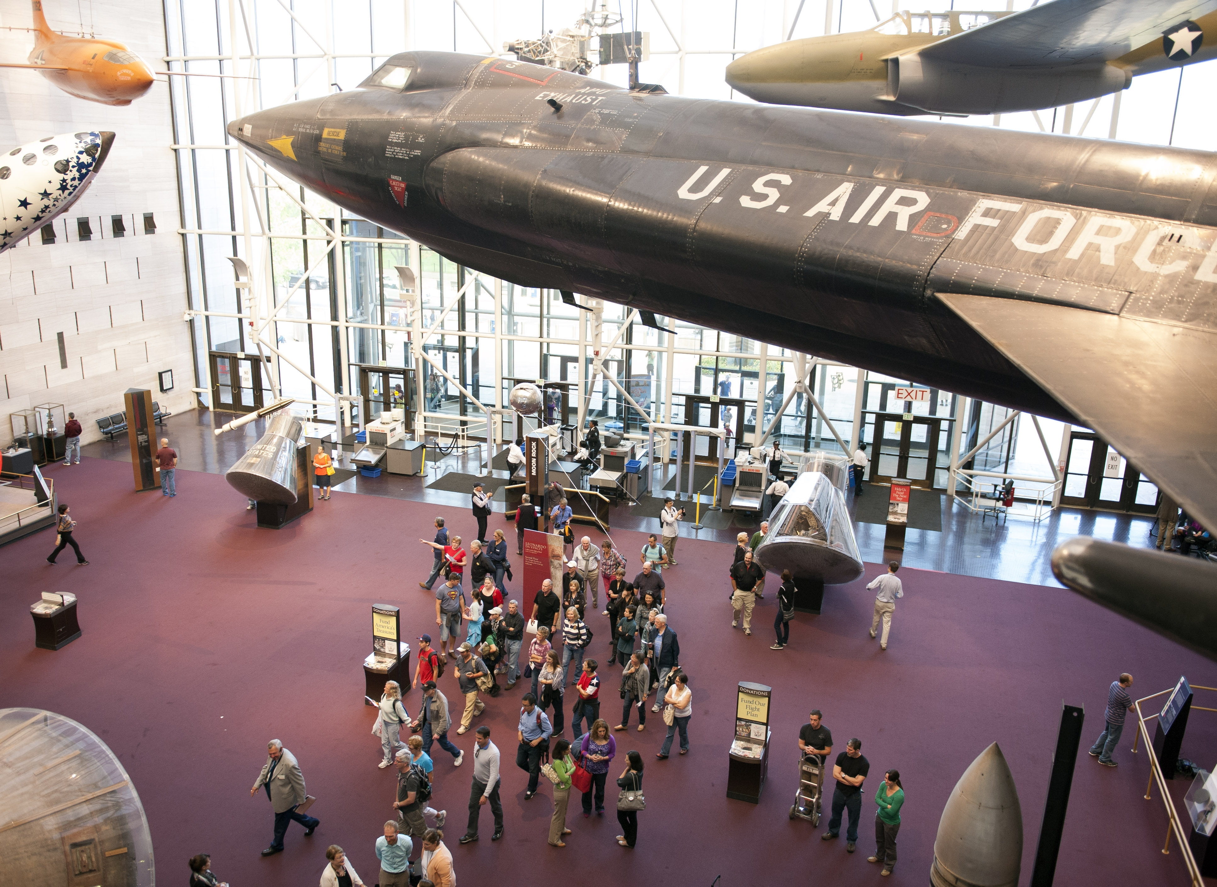 Visitors stream into the Smithsonian's Air and Space Museum when it opened Thursday after being closed by the government shutdown. (AP photo)