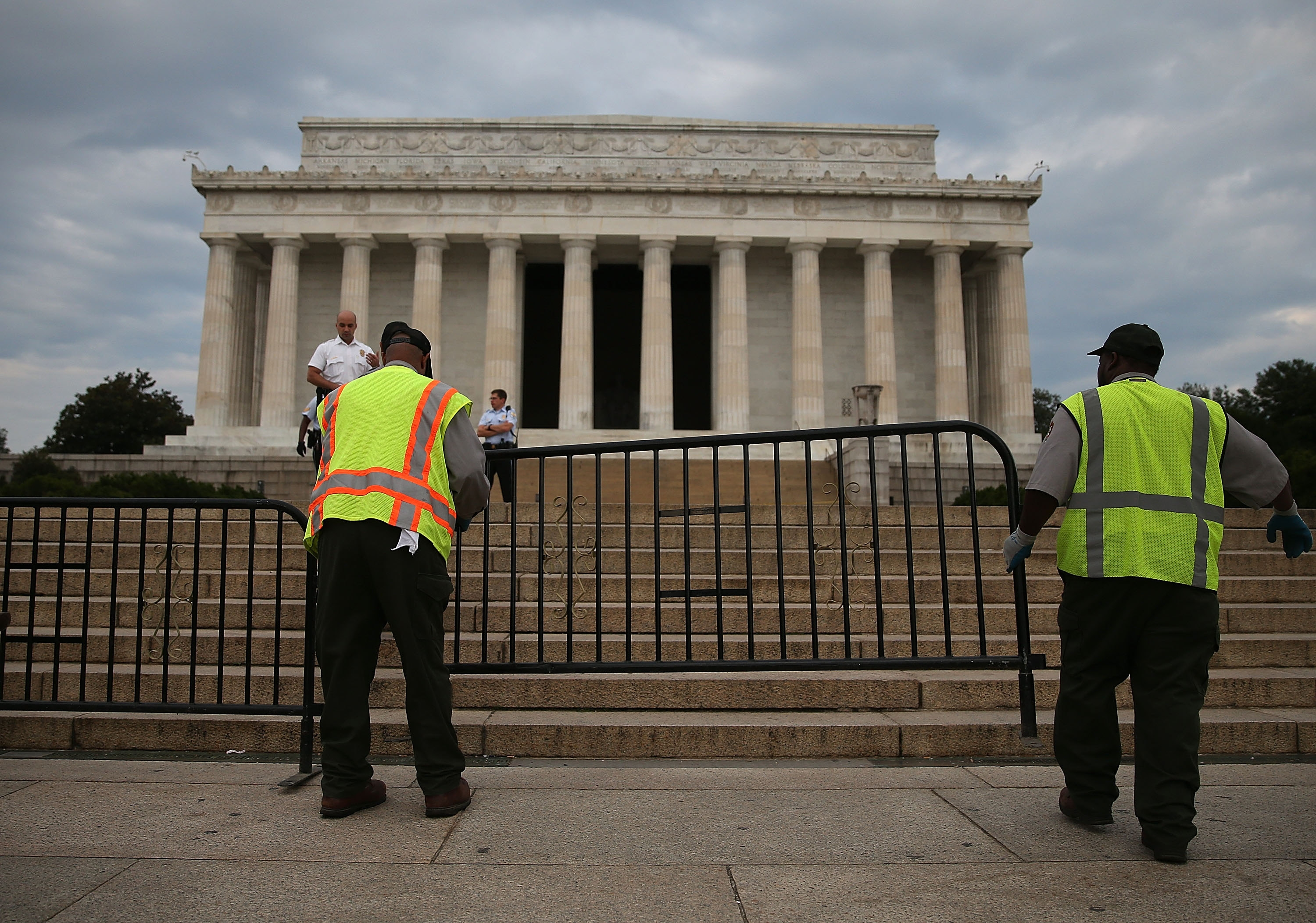 Barriers close off the Lincoln Memorial after tea party members in the House used their opposition to Obamacare to shut down the government.