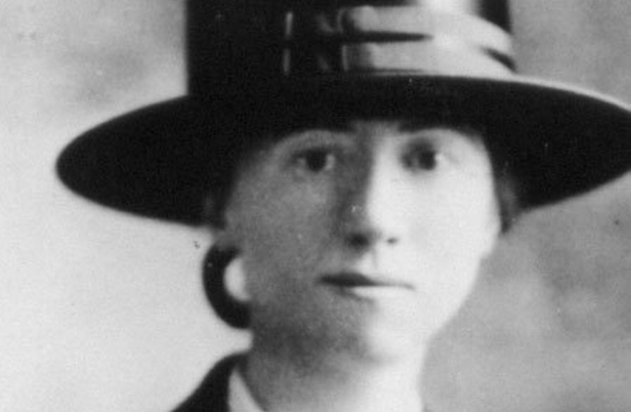 Marianne Moore's life and poetry had a natural charm.