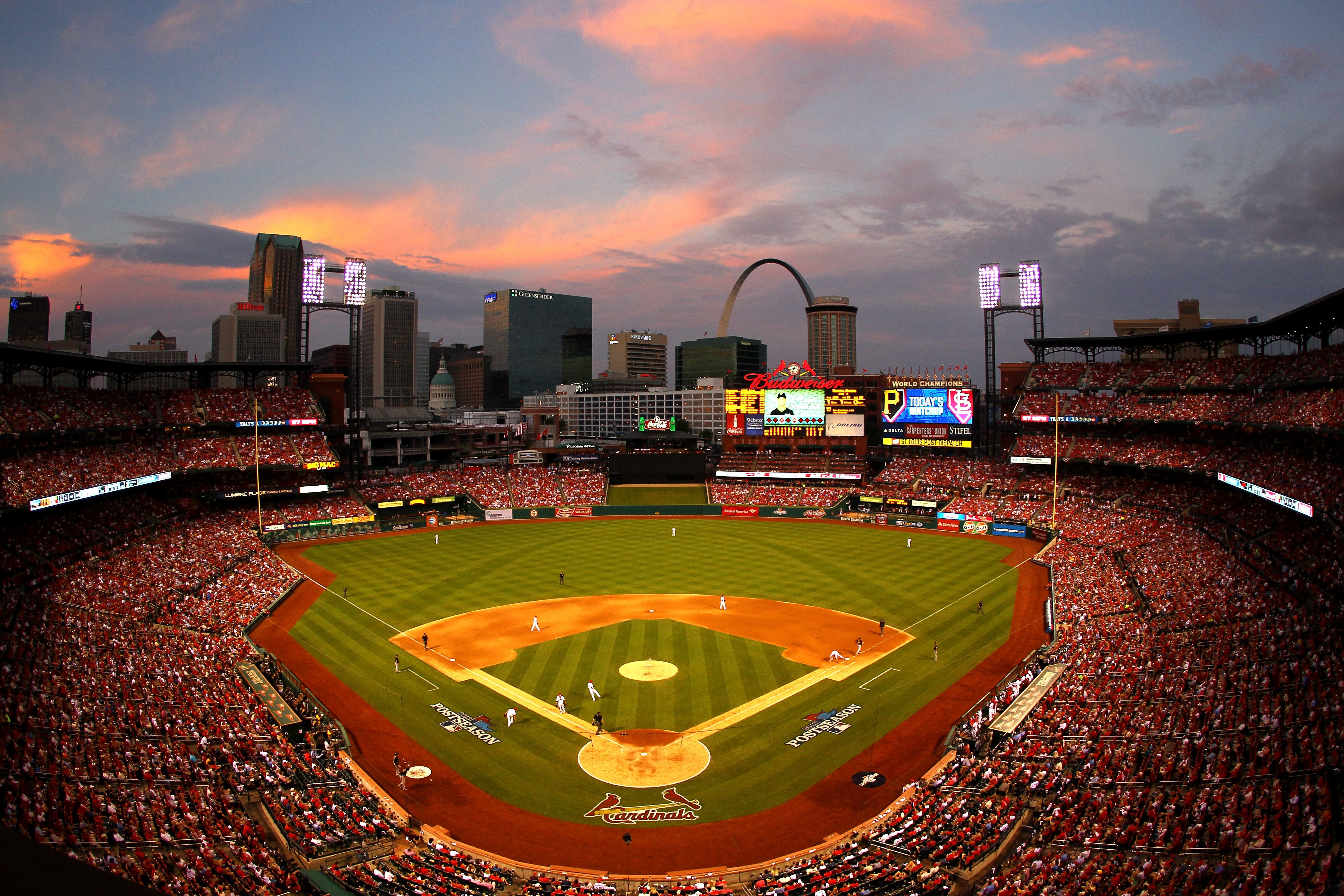 When World Series action shifts to St. Louis on Saturday, Delaware North will be ready for the crowds of Cardinals and Red Sox fans who will descend on Busch Stadium for Game 3. The company will staff the concession stands with 1,800 employees to meet demand.