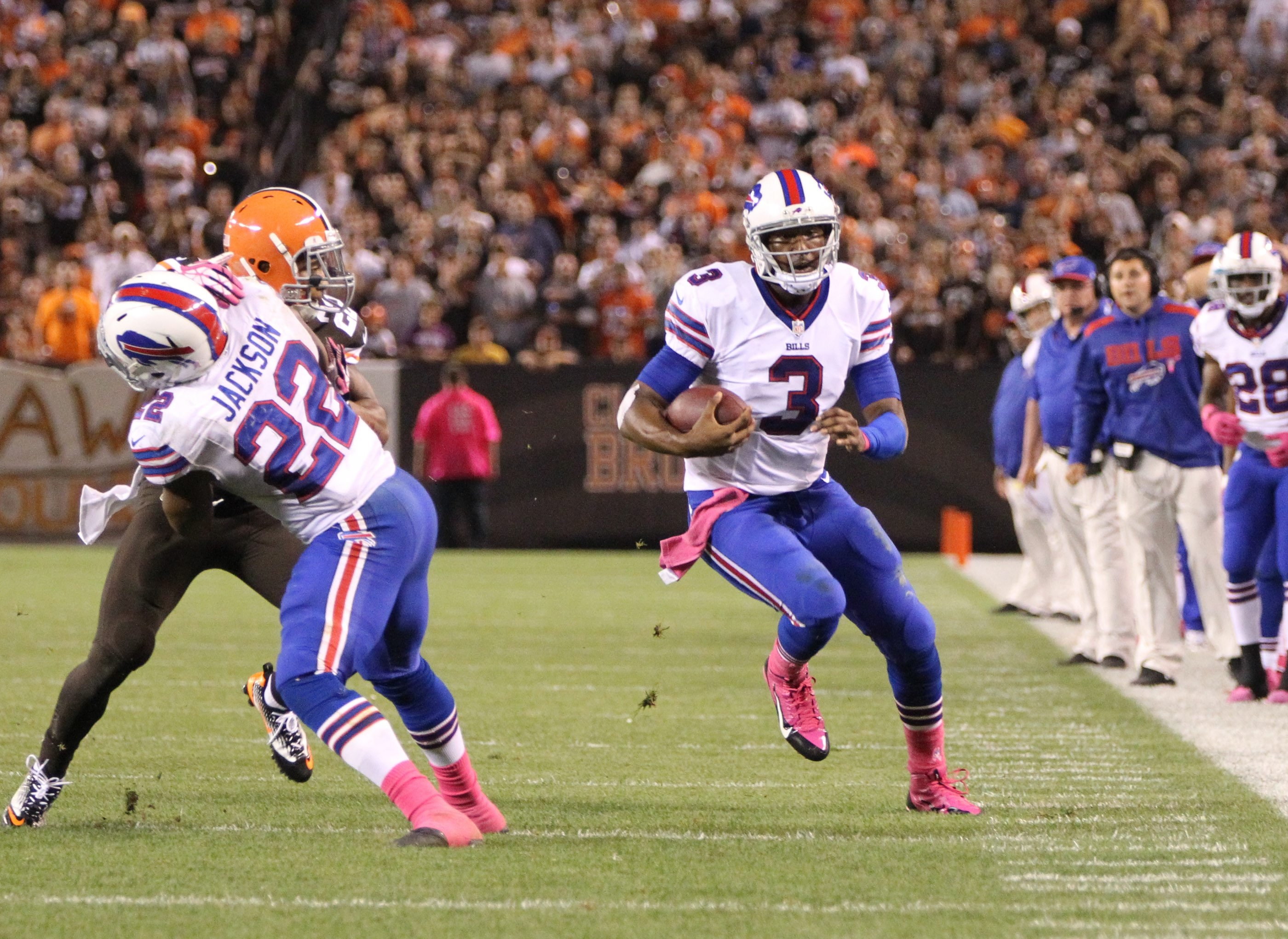 EJ Manuel (3) takes off on his run against the Browns that would lead to his knee injury, forcing Thad Lewis into his starting role for today's game against Cincinnati.