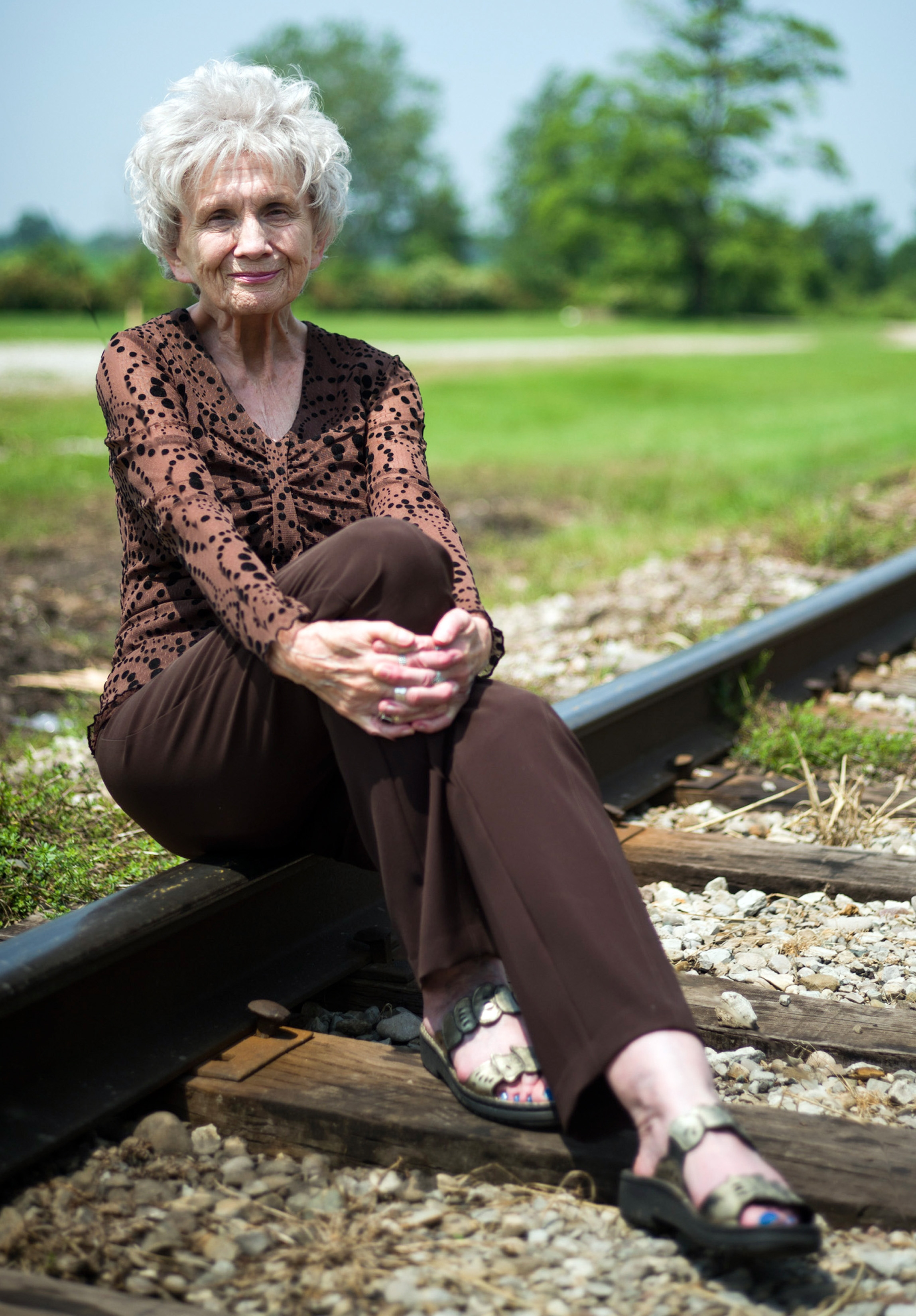 """""""When I began writing, there was a very small community of Canadian writers and little attention was paid by the world,"""" said Nobel Literature prize winner Alice Munro. """"Now Canadian writers are read, admired and respected around the globe."""""""