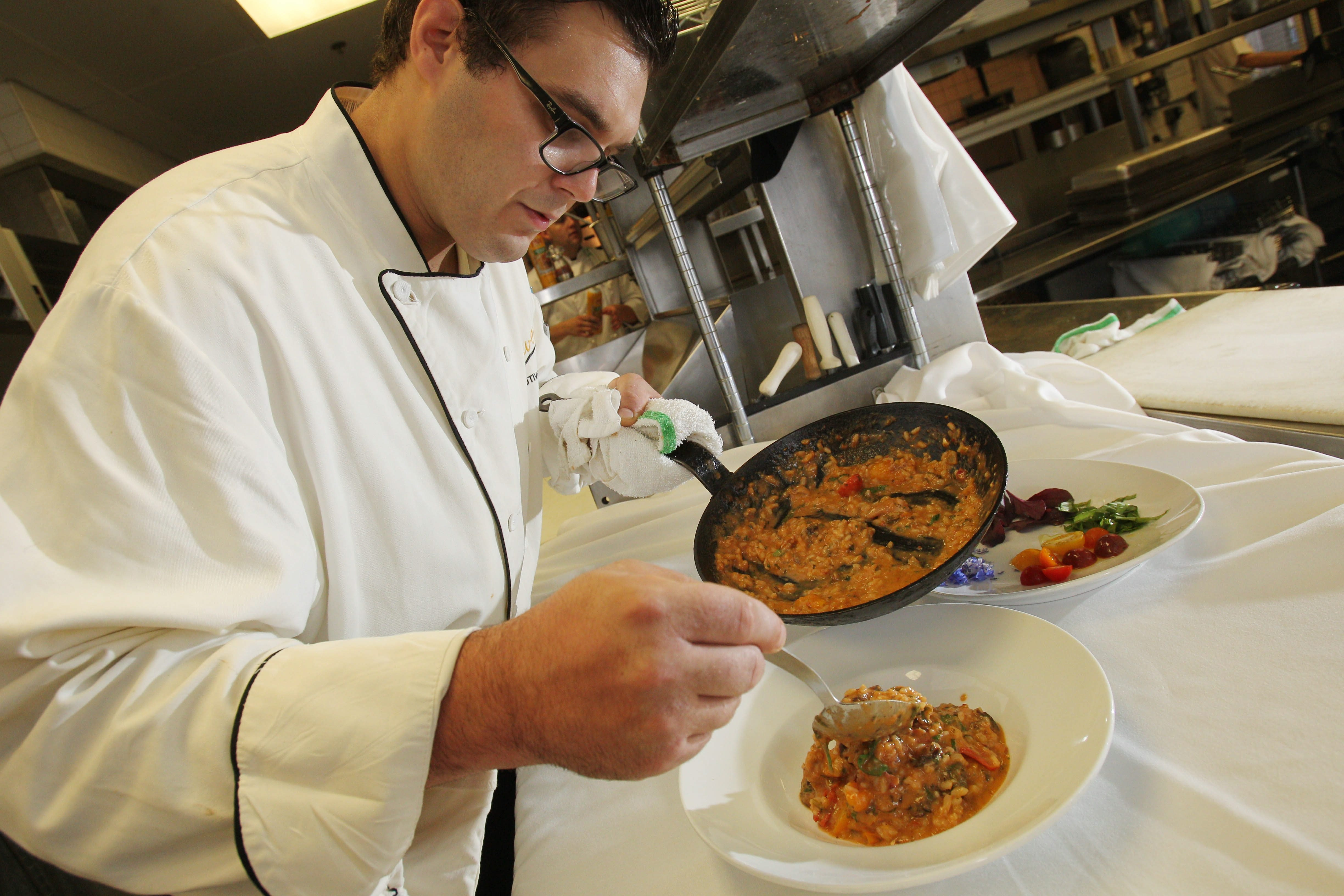 Oliver's, the long-standing Delaware Avenue fine dining restaurant led by chef Lennon Lewandowski is once again offering lunch.