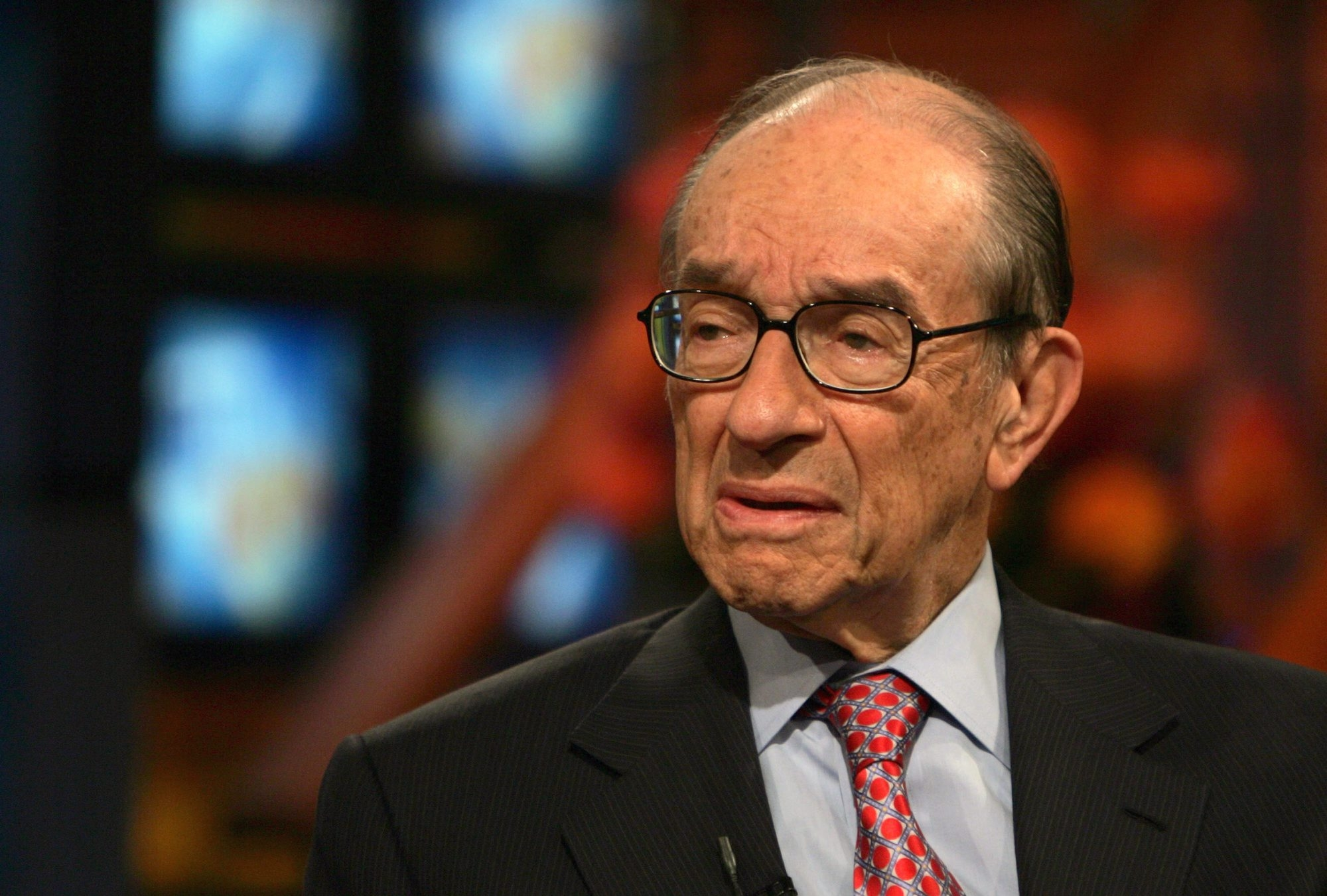 "Former Federal Reserve Chairman Alan Greenspan forecast 2014 economic growth at ""closer to 2 percent."""