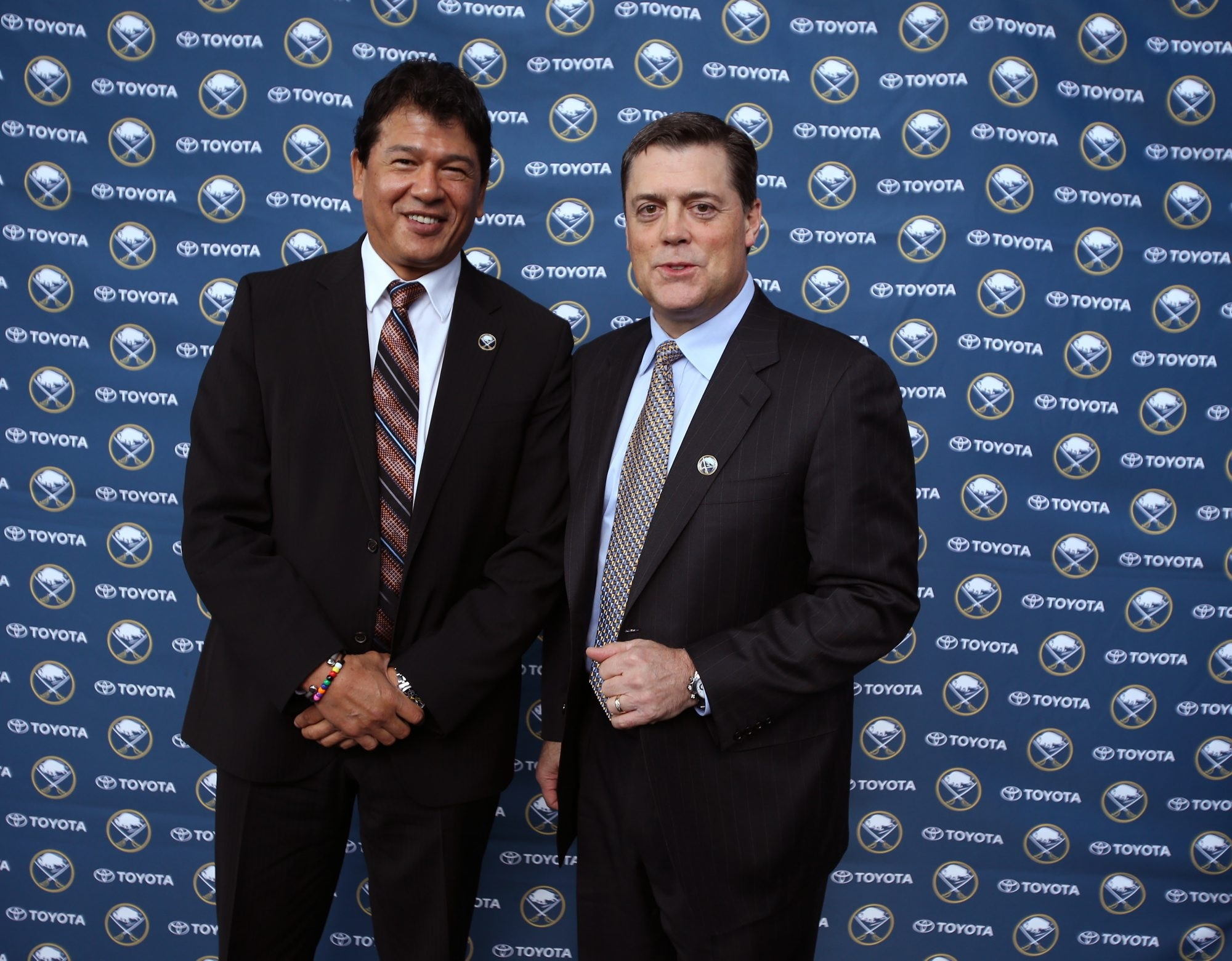Ted Nolan, left, and Pat LaFontaine are back in Buffalo to run a team off to an embarrassing start.