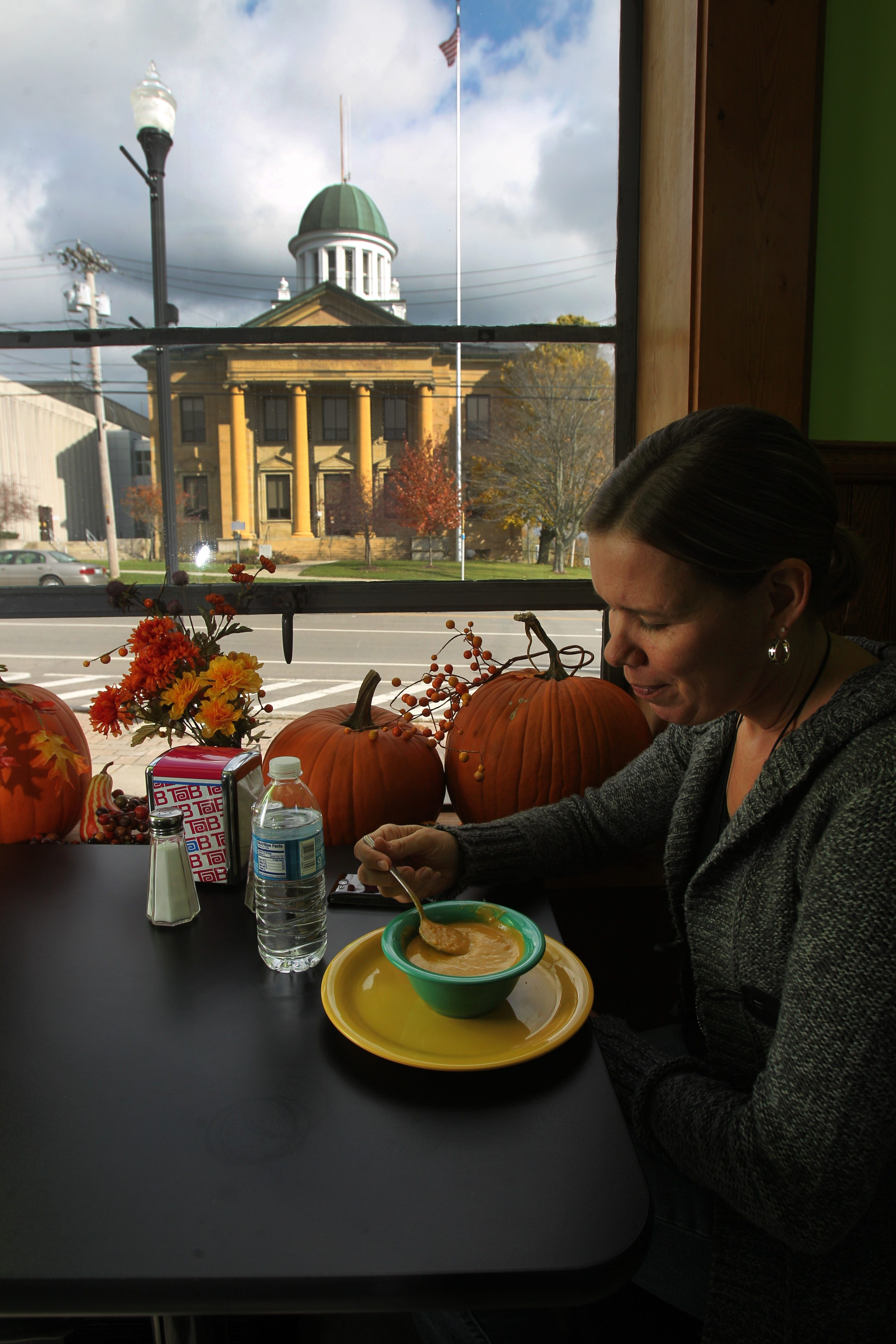 Jen Swan-Leuze has lunch at The Sweet Spot, a hot spot for lawyers and court watchers.