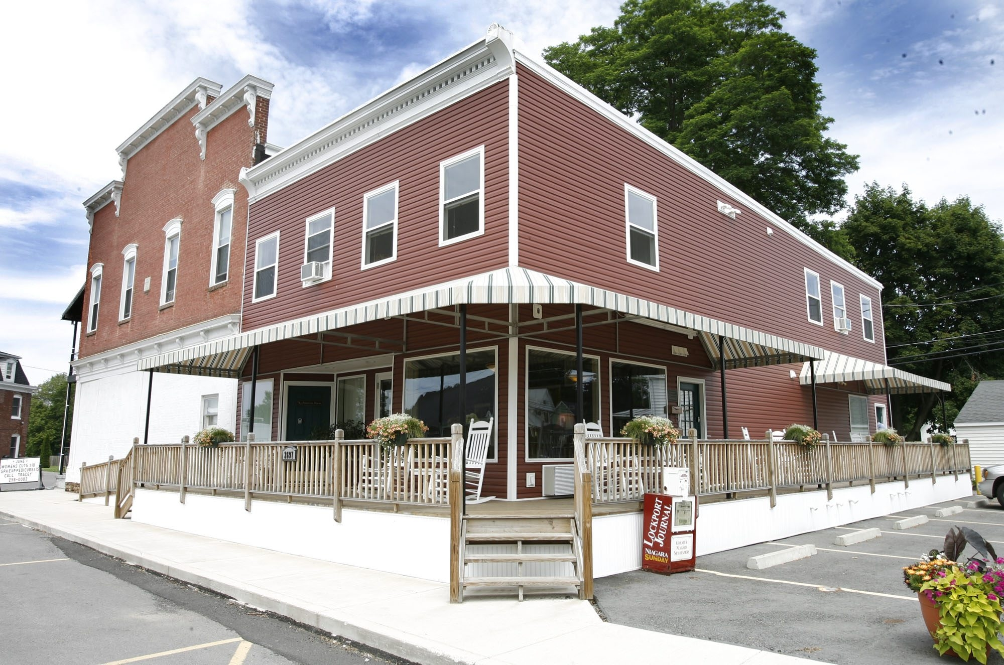 {to go with Teresa Sharp story}Brookins Inn and Suites, 2697 Maple Ave.,on Tuesday , June 15 ,2010 in Newfane,NY. Owners Dan and Bev Mandaville. { The Buffalo News, Harry Scull Jr.}