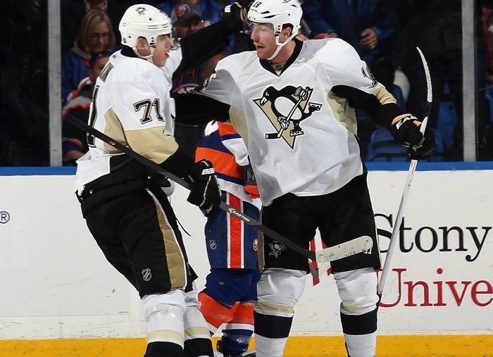 Pittsburgh's James Neal, right, has been on a hot streak since returning from injury. (Getty Images)