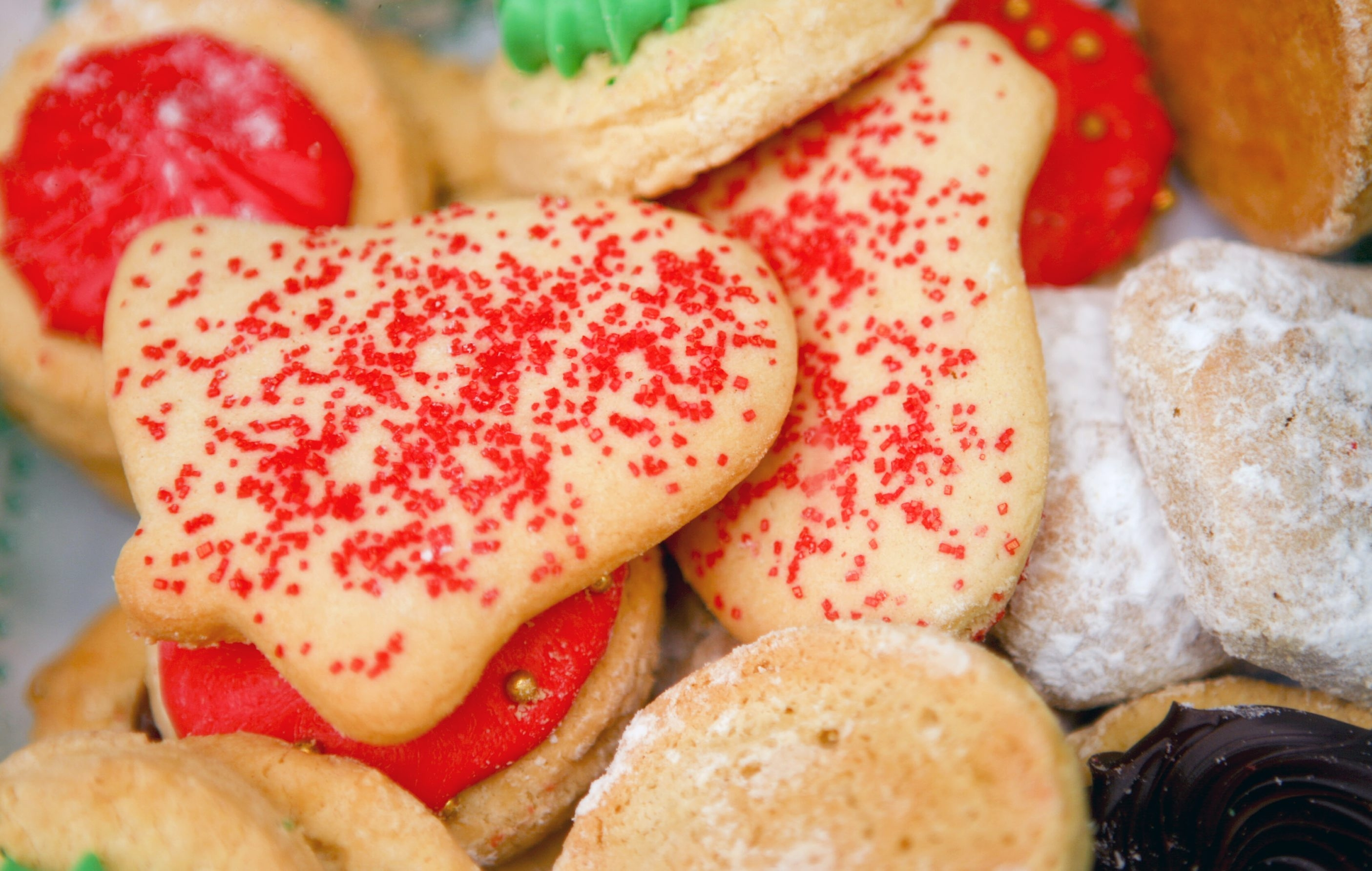 Eating too much sugar, high-carb, high-fat food can decrease energy, mood.