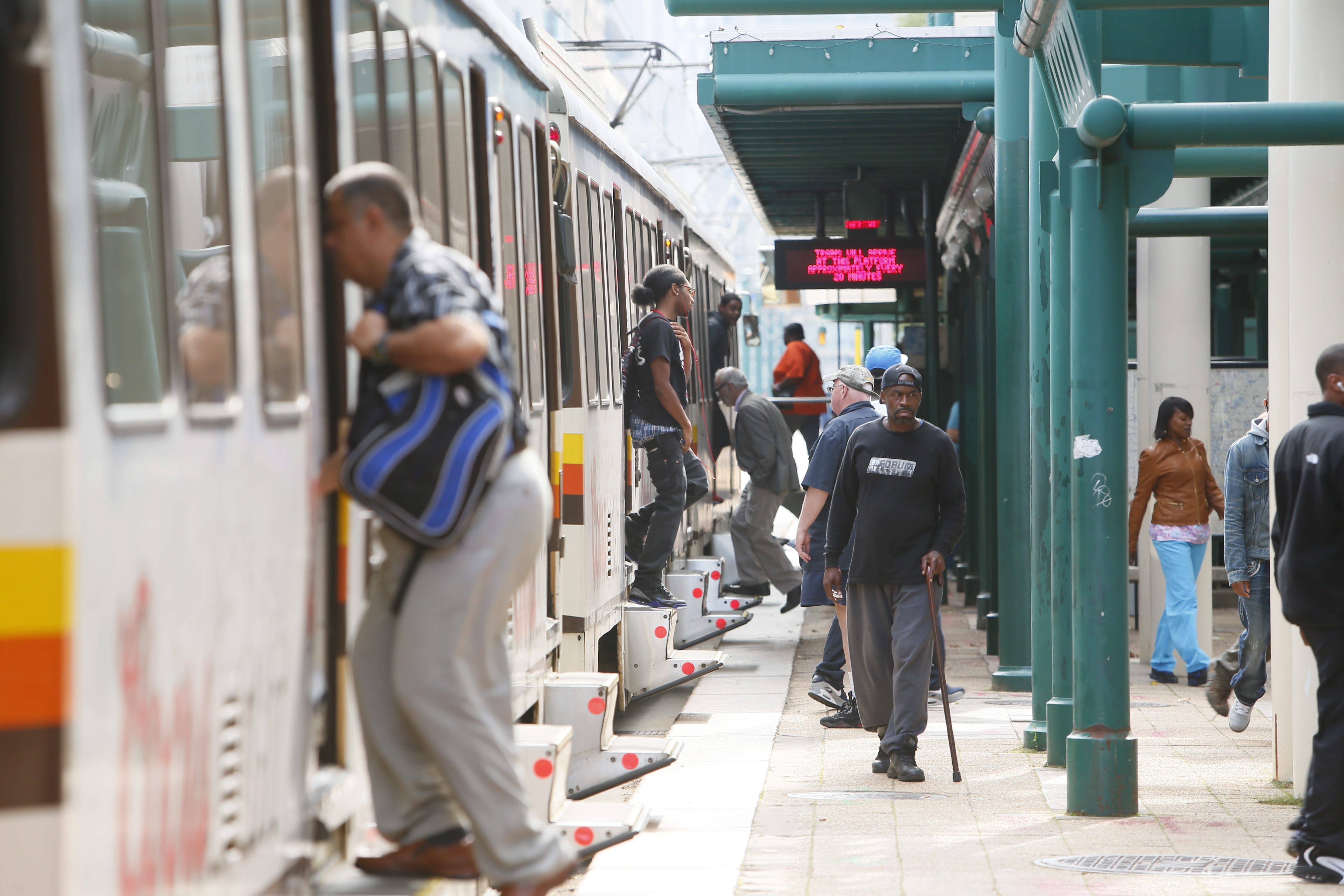 A new report issued by the federal government says the NFTA's fears about drastic service cuts are well-founded.