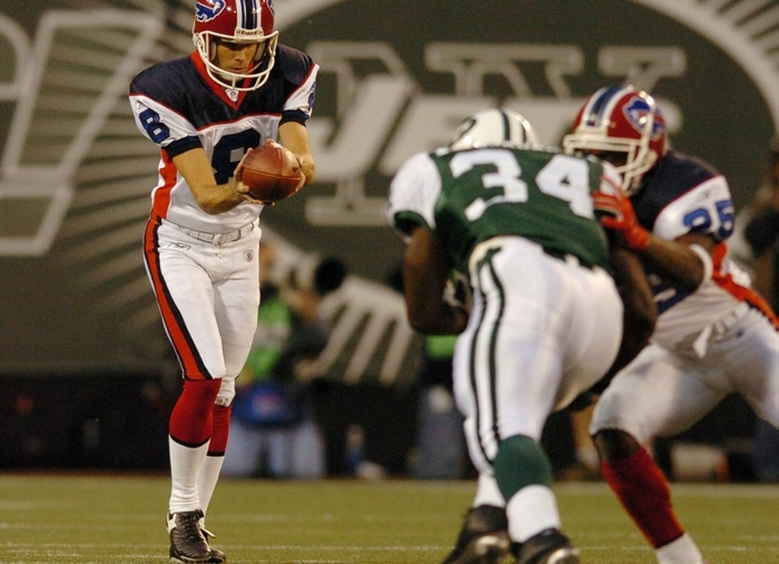 Brian Moorman, here shown punting against the Jets in a 2004 game, has first-hand knowledge that the Bills are capable of winning six straight. They did it during that season. (Mark Mulville/Buffalo News file photo)