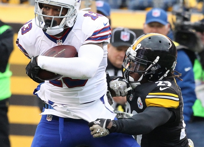 Stevie Johnson, who  was targeted 10 times by EJ Manuel, had three catches for 48 yards before leaving the field with a new groin injury. (James P. McCoy/Buffalo News)