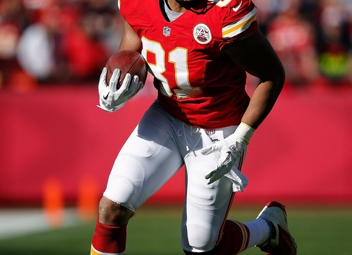 Tony Moeaki has been plagued by injuries in college and the NFL. (Getty Images)