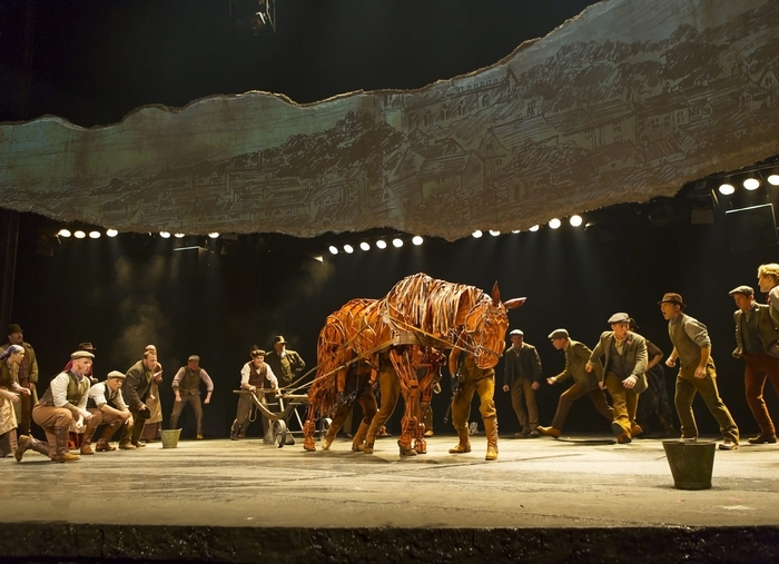 """War Horse"" is at Shea's Performing Arts Center from Tuesday to Nov. 17."