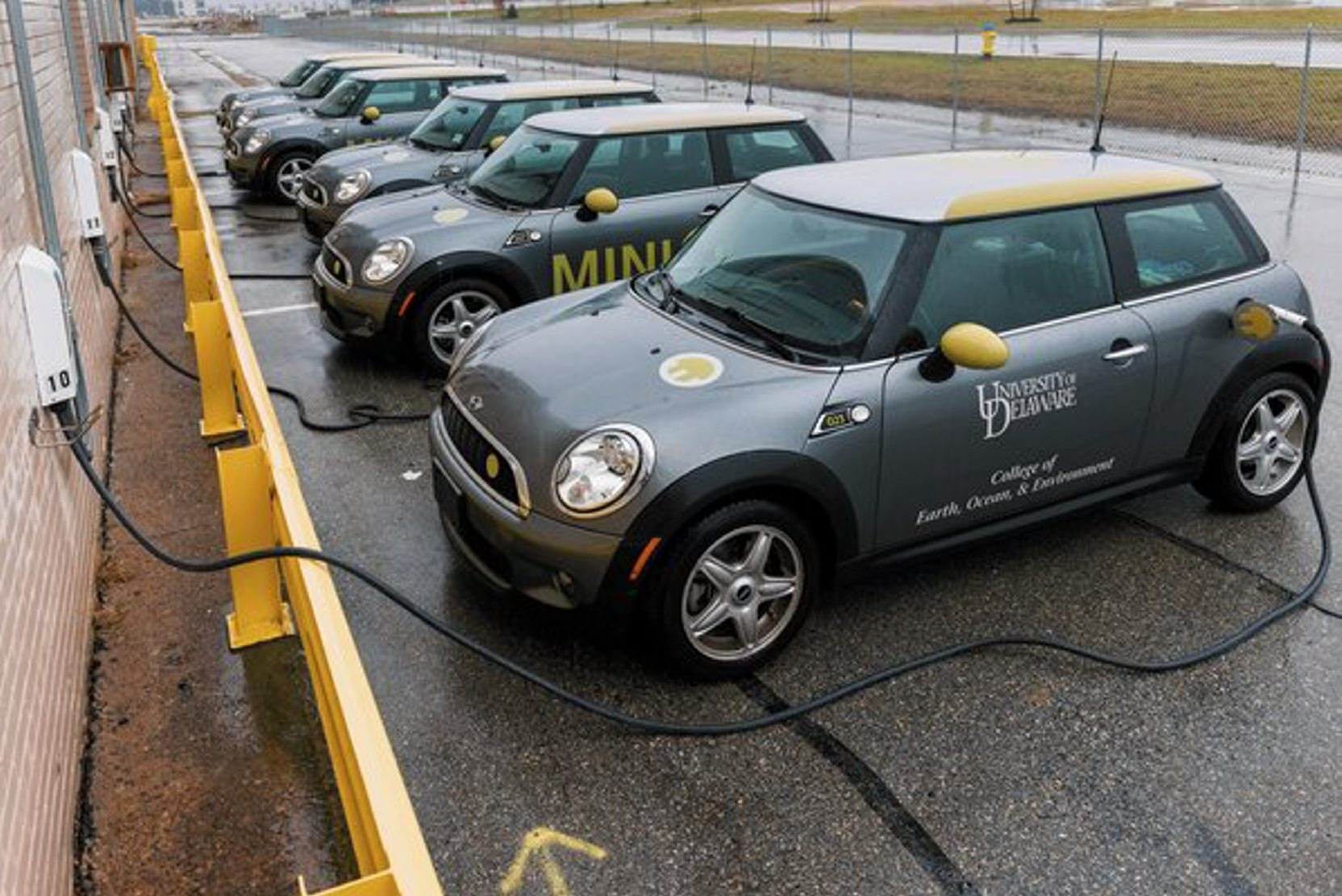 Vehicle to Grid (V2G) cars parked at the University of Delaware are pumping electricity back into the power grid.