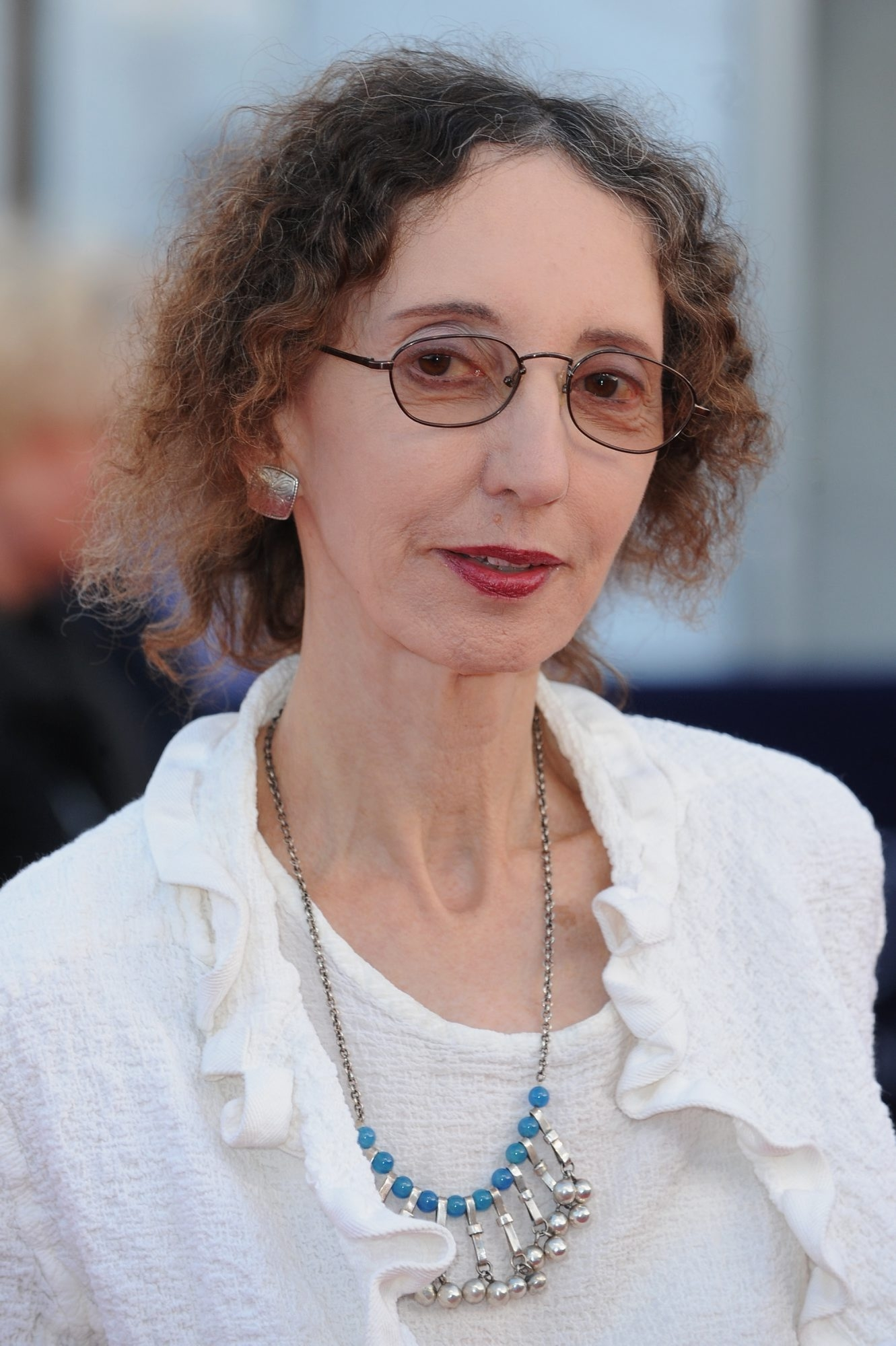 Joyce Carol Oates creates atmosphere with relentless detail.