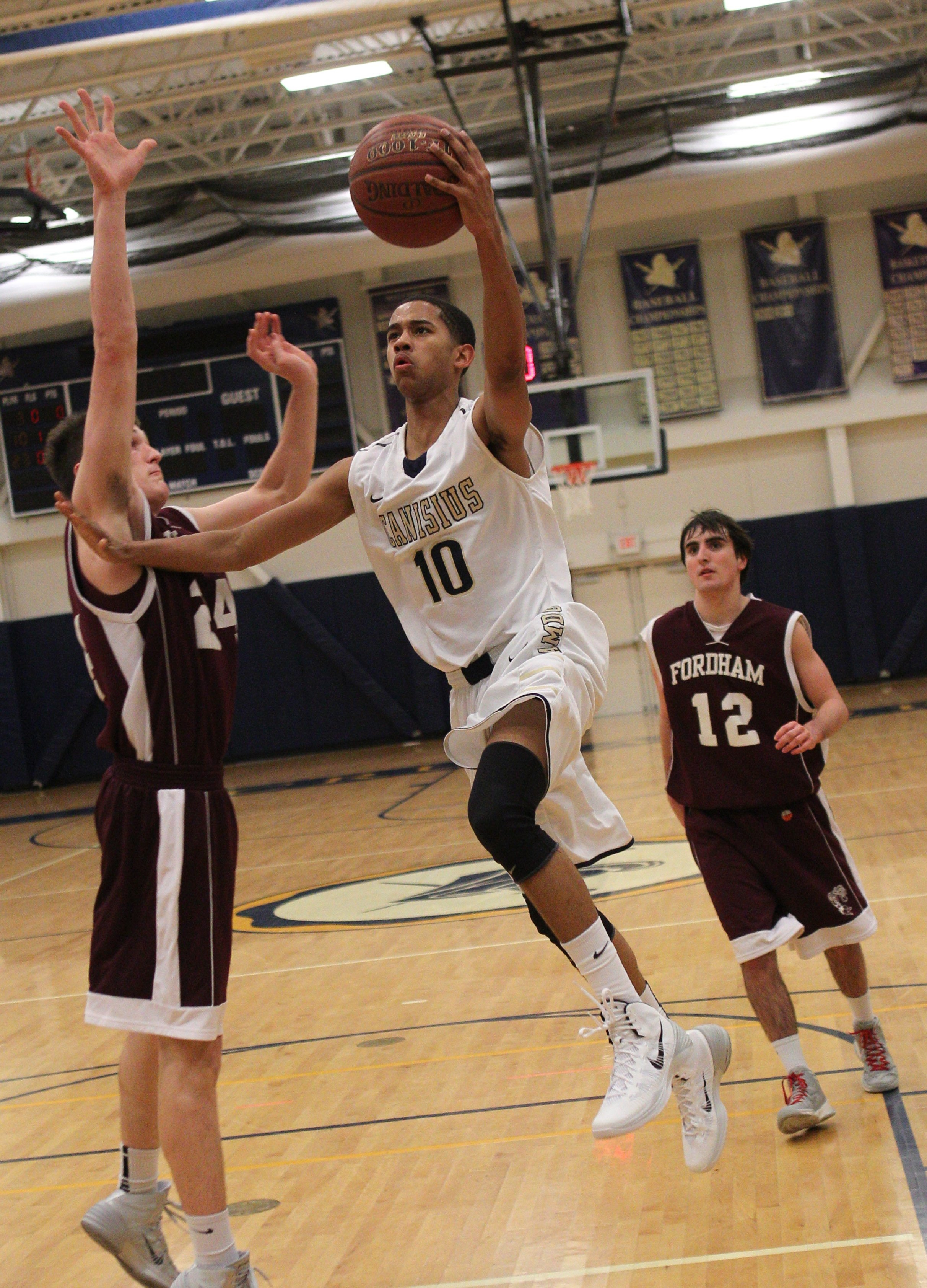 Scout.com named Canisius sophomore point guard Howard Washington to its Class of 2016 top 50.