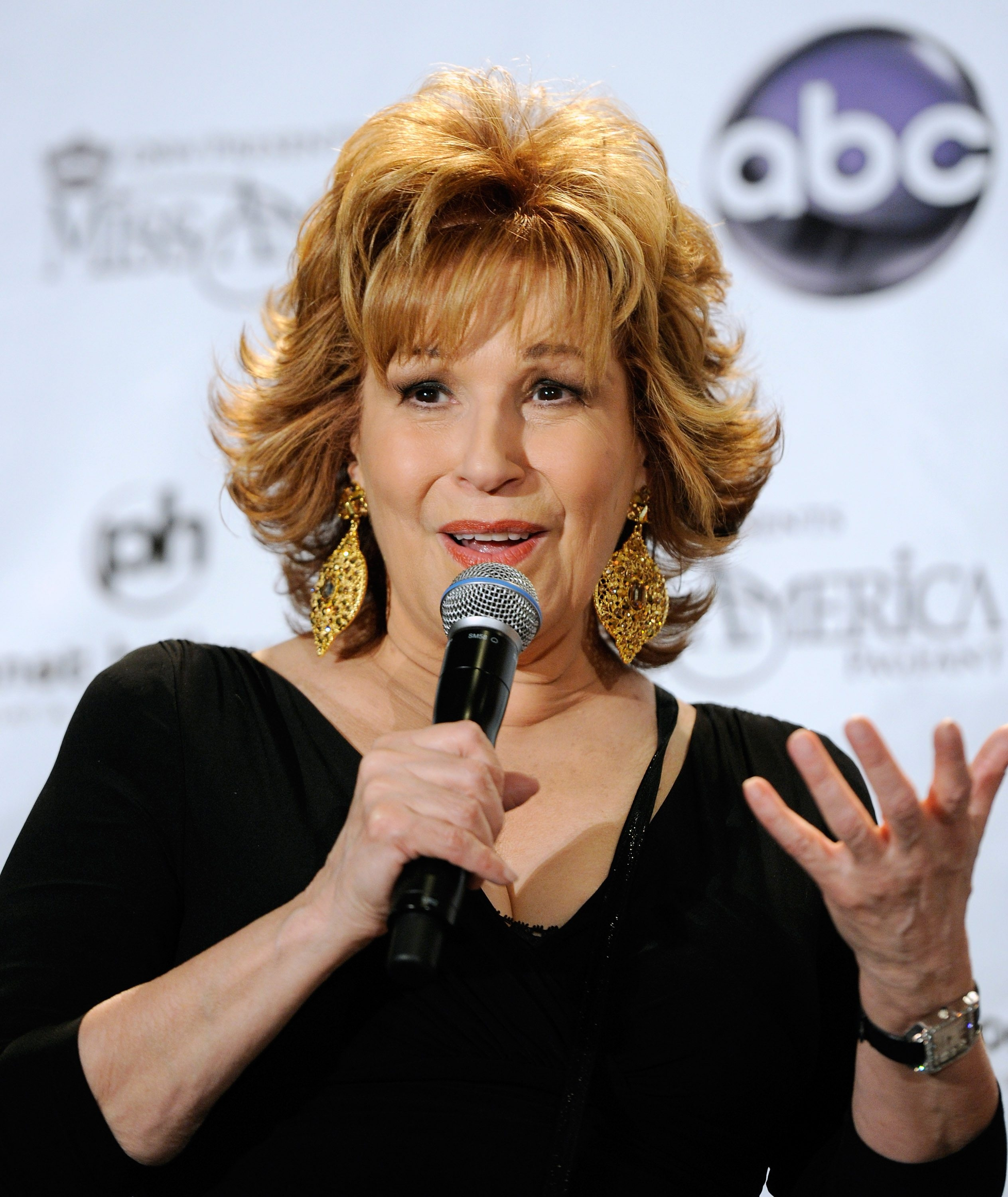 LAS VEGAS, NV – JANUARY 15:  Talk show host and comedian Joy Behar speaks during a news conference for newly-crowned Miss America Teresa Scanlan at the 2011 Miss America Pageant at the Planet Hollywood Resort & Casino January 15, 2011 in Las Vegas, Nevada. Behar served as a pageant judge.  (Photo by Ethan Miller/Getty Images) *** Local Caption *** Joy Behar *** Local Caption *** Joy Behar