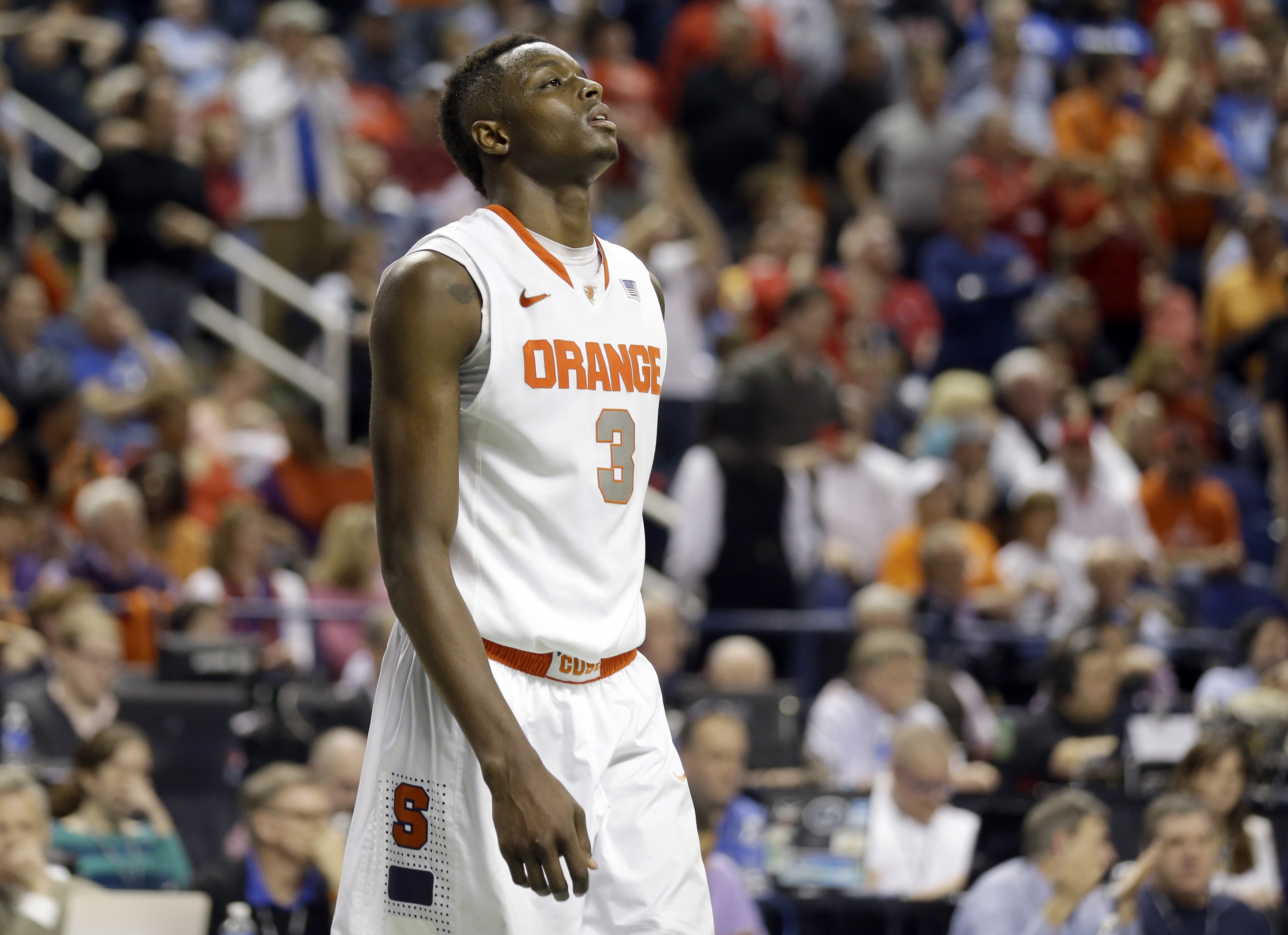 Jerami Grant gives Syracuse power down low.
