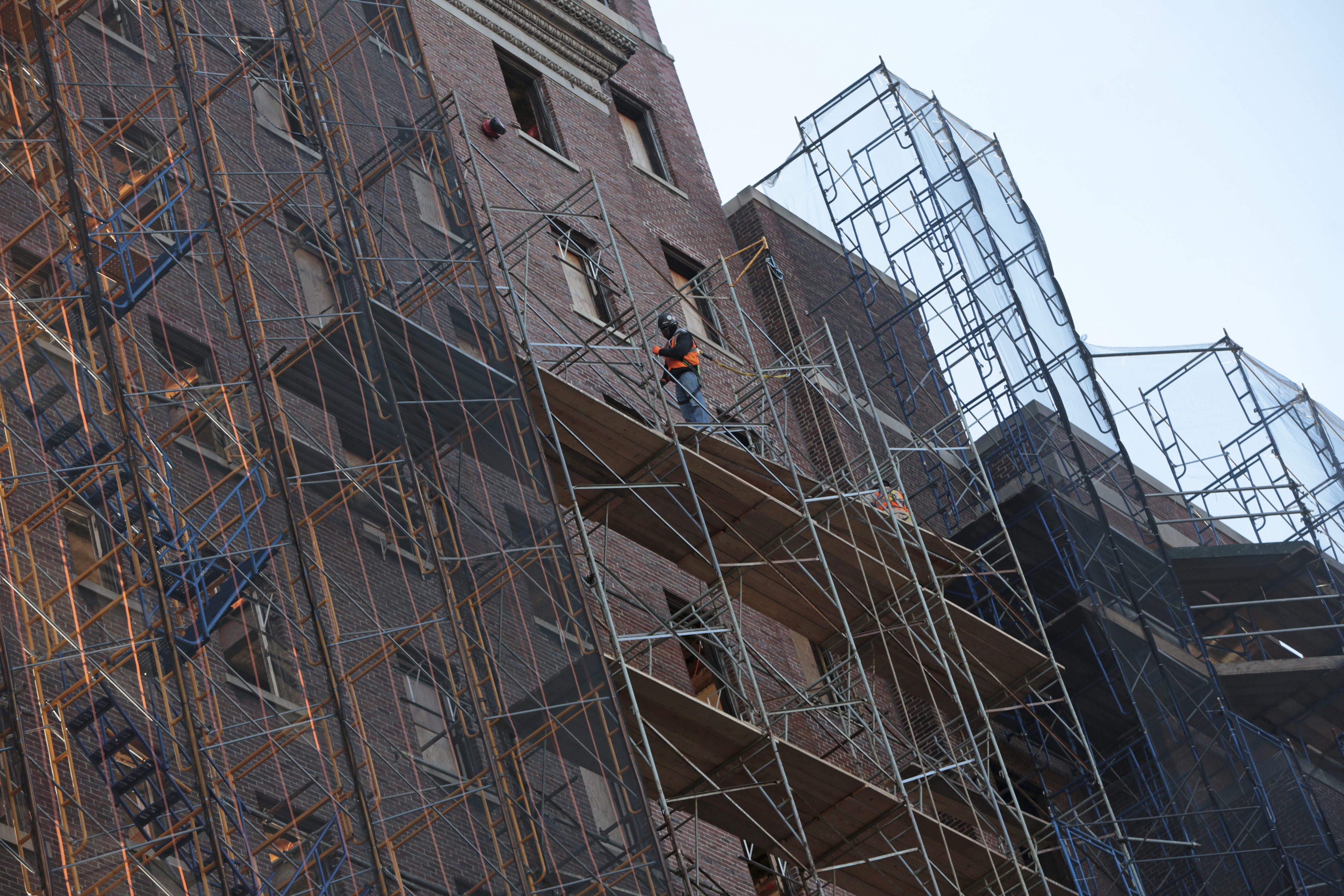 New York's Scaffold Law, originally designed to protect workers, is now doing more harm than good, according to a new study. (New York Times file photo)