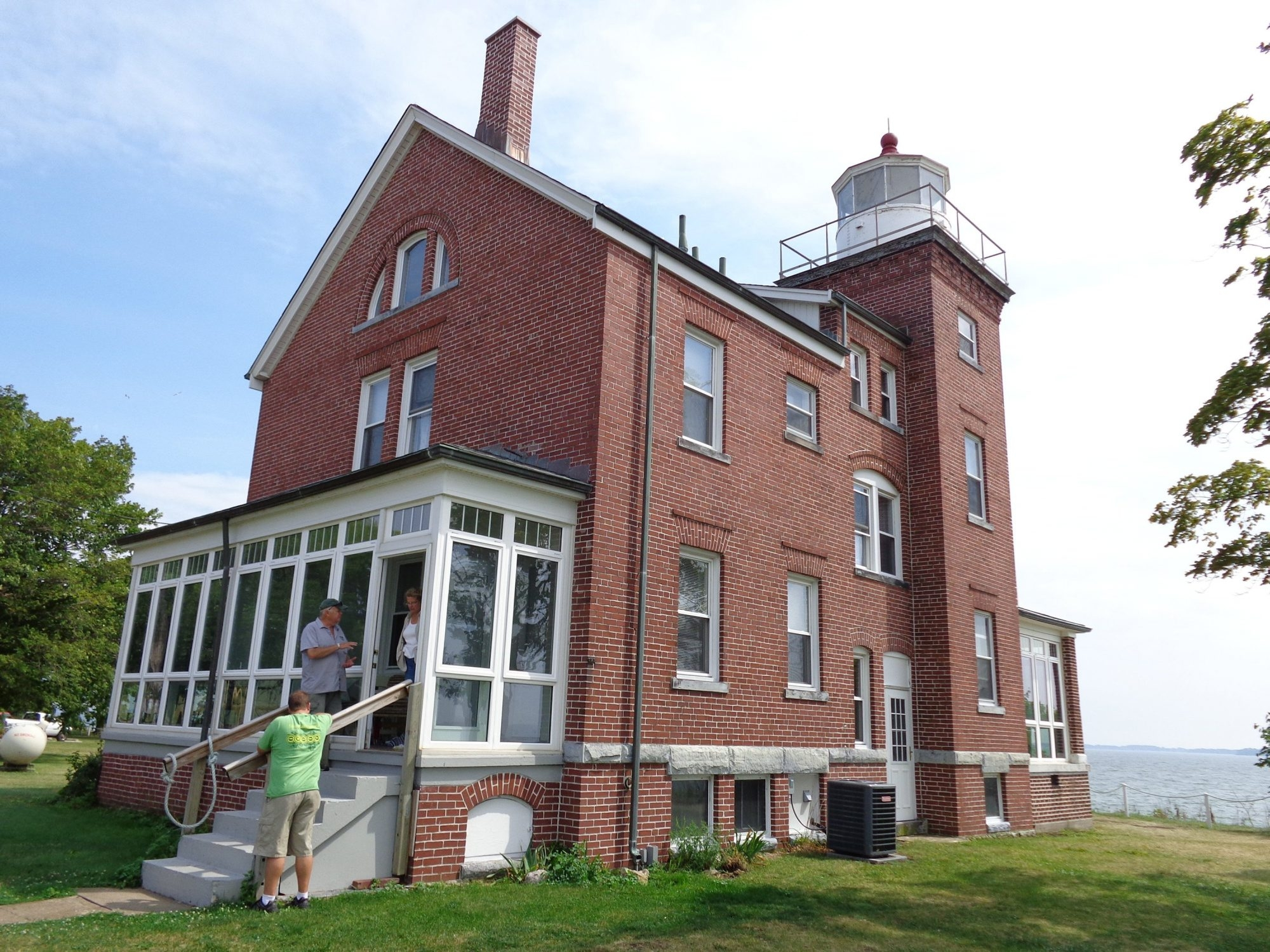The South Bass Light Station overlooks western Lake Erie on South Bass Island in Put-in-Bay, Ohio. It operated from 1897 to 1962.