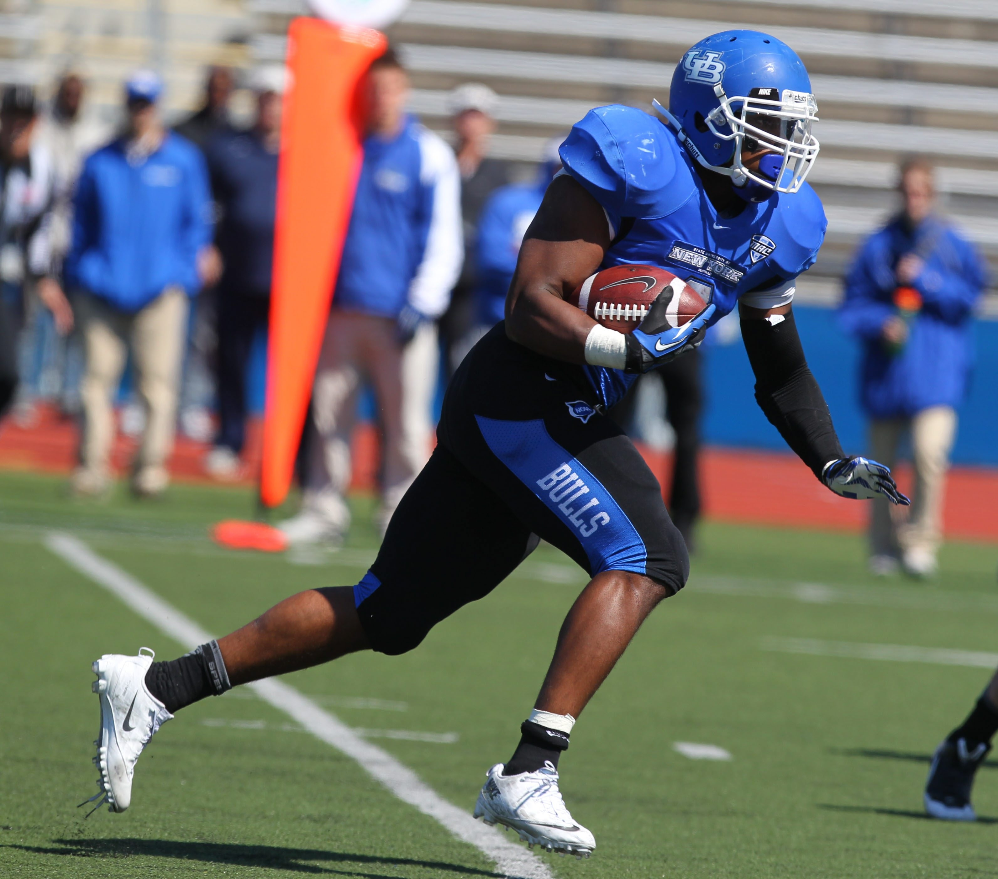 Jordan Johnson of the Blue team showed some speed in scoring two touchdowns in Saturday's Blue & White game.