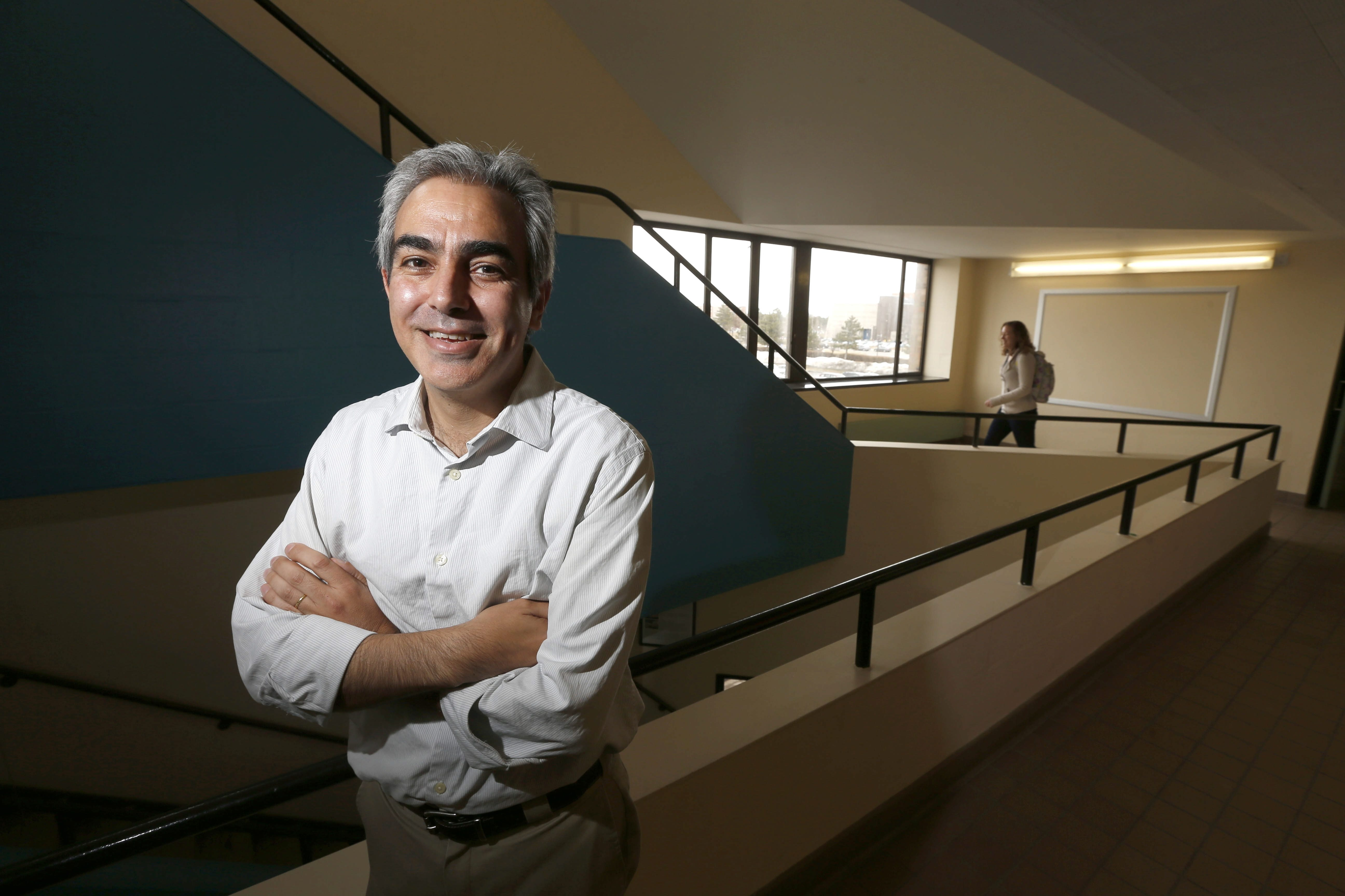 Julio Jorge Elias, a former UB economist, says the current organ donation system is not meeting the nation's needs.