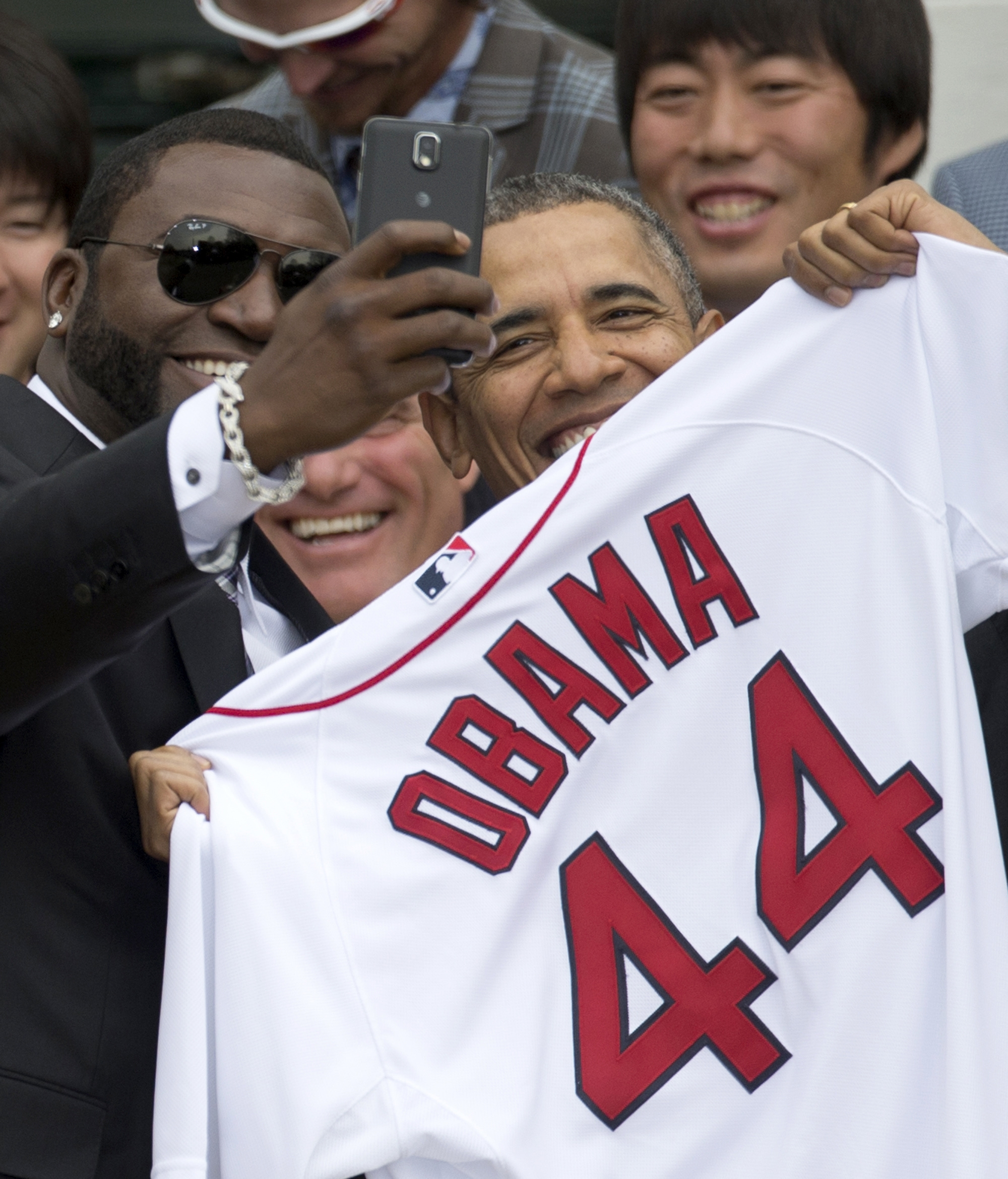 This is the photo of David Ortiz and President Obama that the White House objects to because of its commercial use.