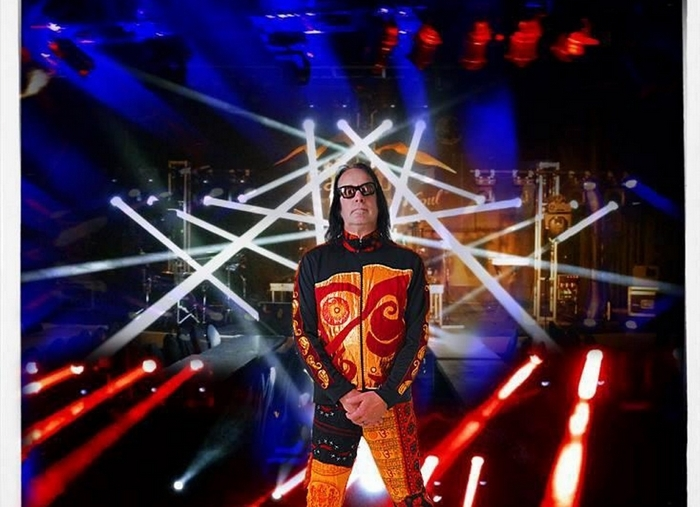 "Todd Rundgren brings his ""Unpredictable"" tour to the Bear's Den on Friday."