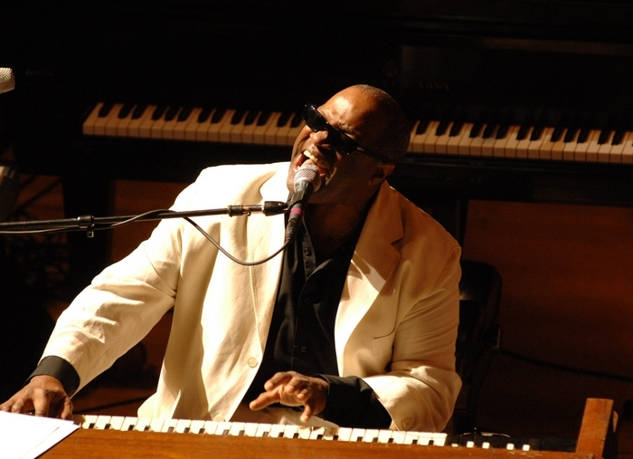 Ellis Hall and the BPO pay tribute to Ray Charles.