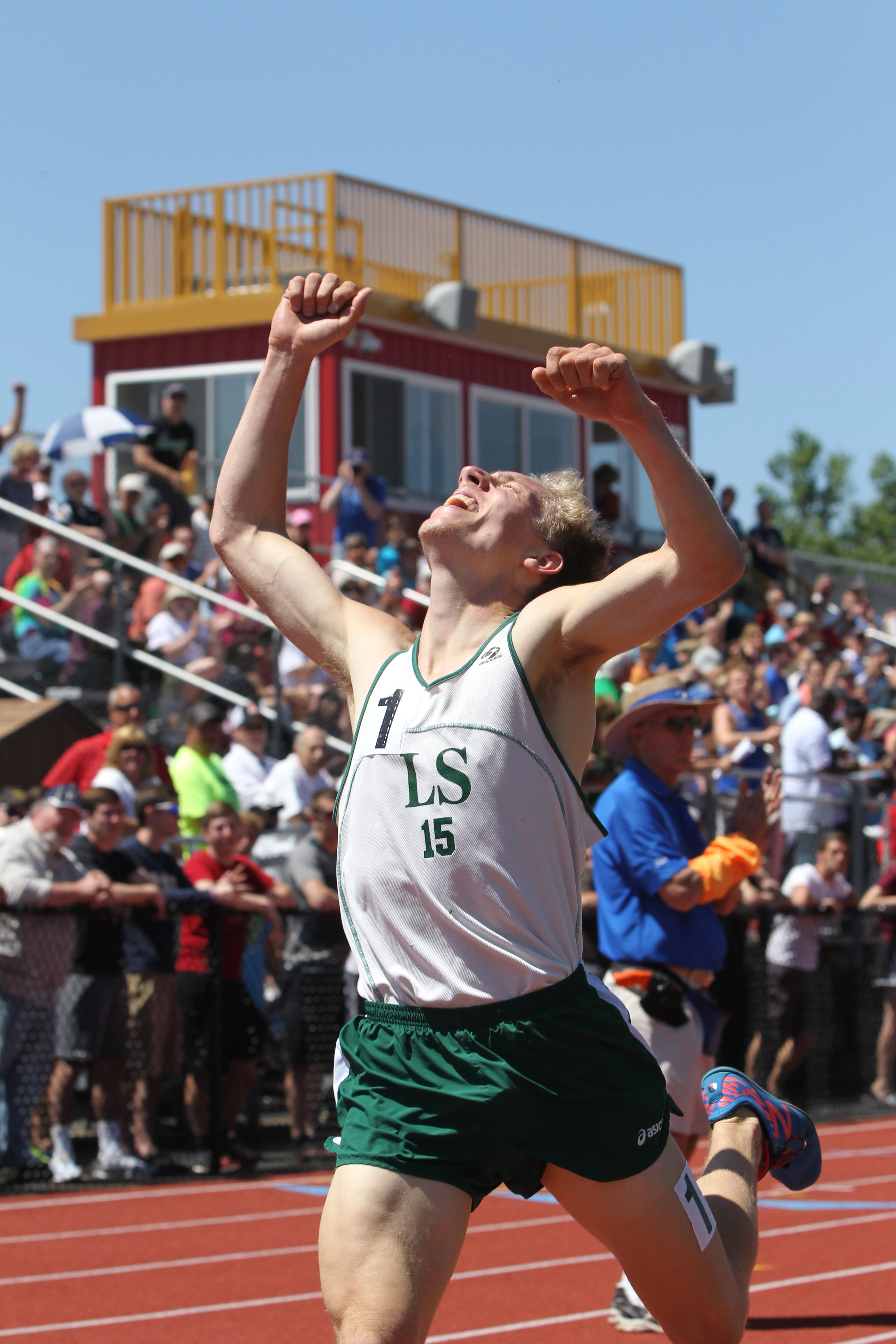 T.J. Hornberger finishes the 1,600 in 4:12:77 to break Charlie Kern's record of 4:13:07 that stood for 27 years.