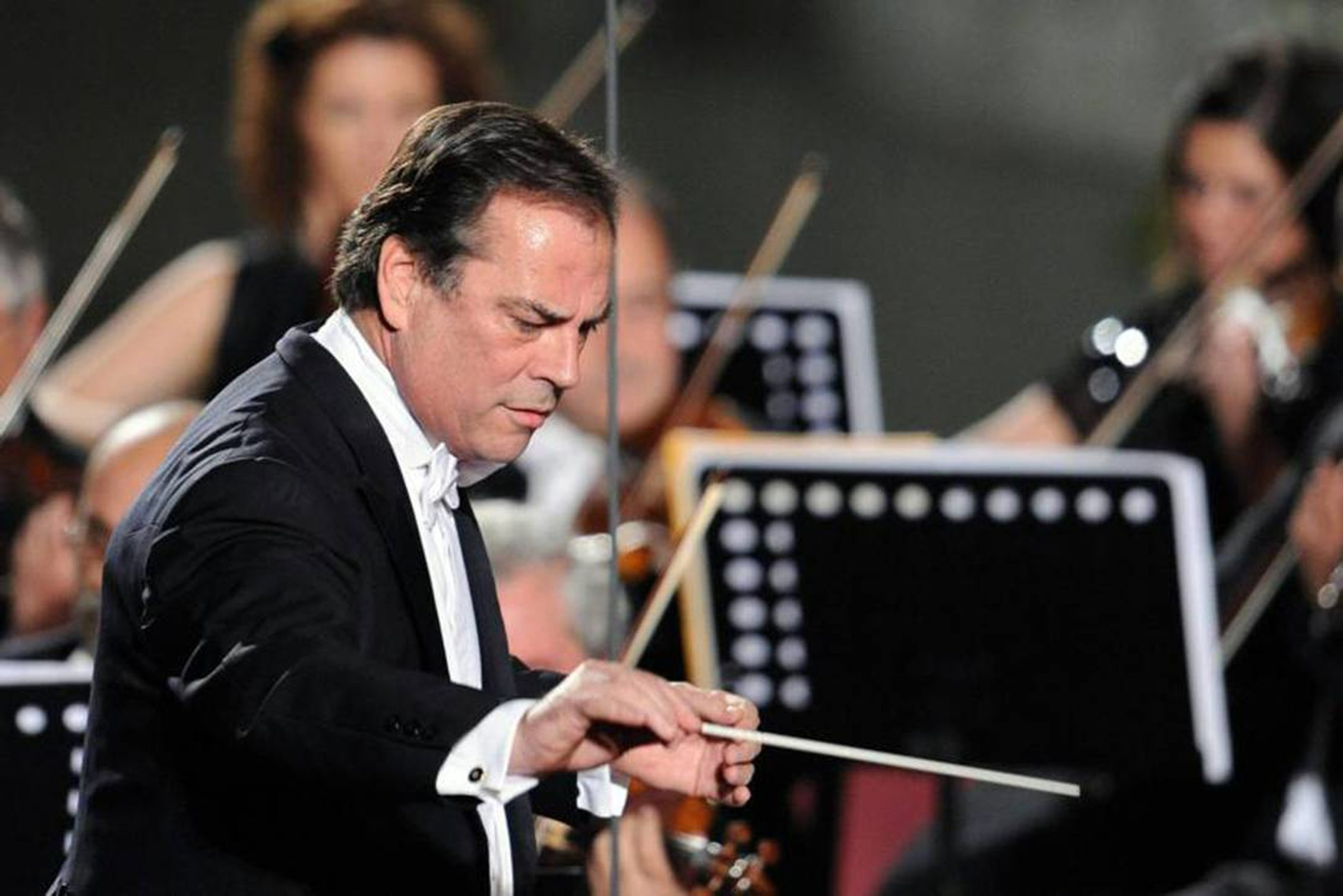 Former BPO music director Maximiano Valdes is being considered for the same position with the Chautauqua symphony.