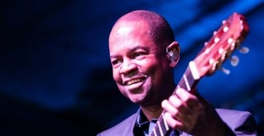 Smooth jazz guitarist Earl Klugh plays Rockwell Hall on Thursday evening. (For Gusto Web)