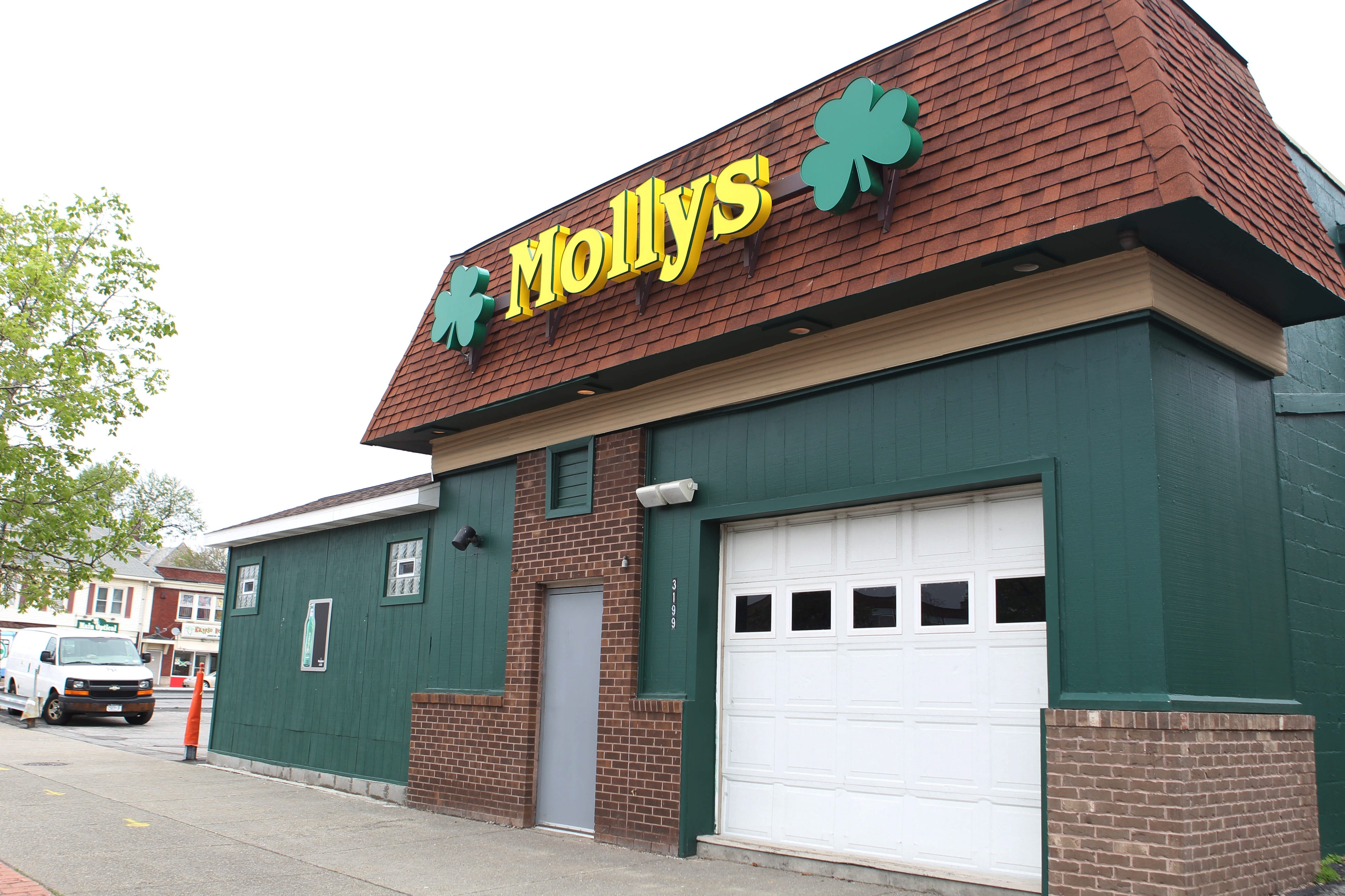 """It goes dark,"" a police source said of the digital record that multiple surveillance cameras at Molly's Pub captured the night William C. Sager Jr. was assaulted."