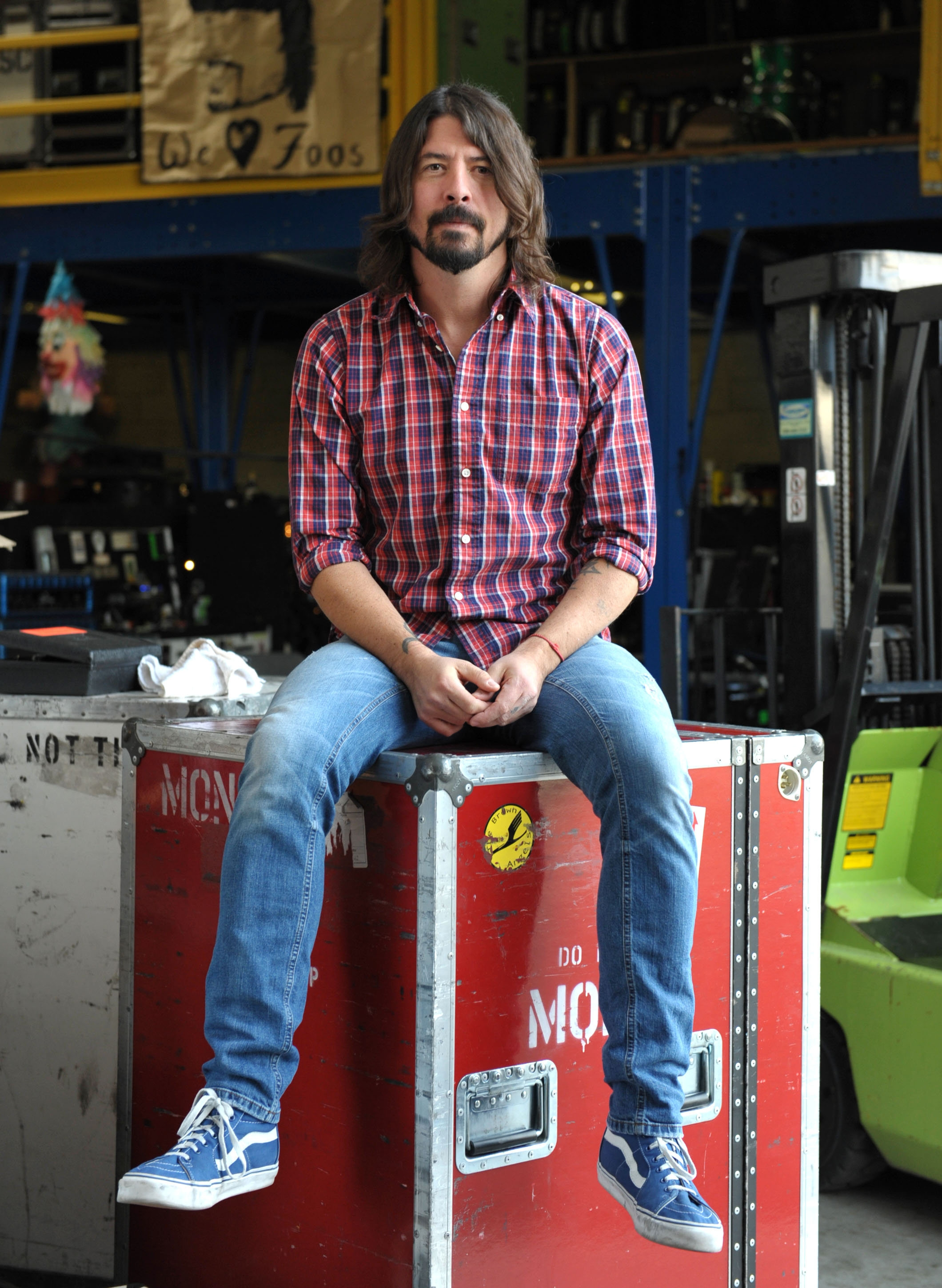 Musician Dave Grohl will direct a series about the Foo Fighters that will air on HBO in the fall.
