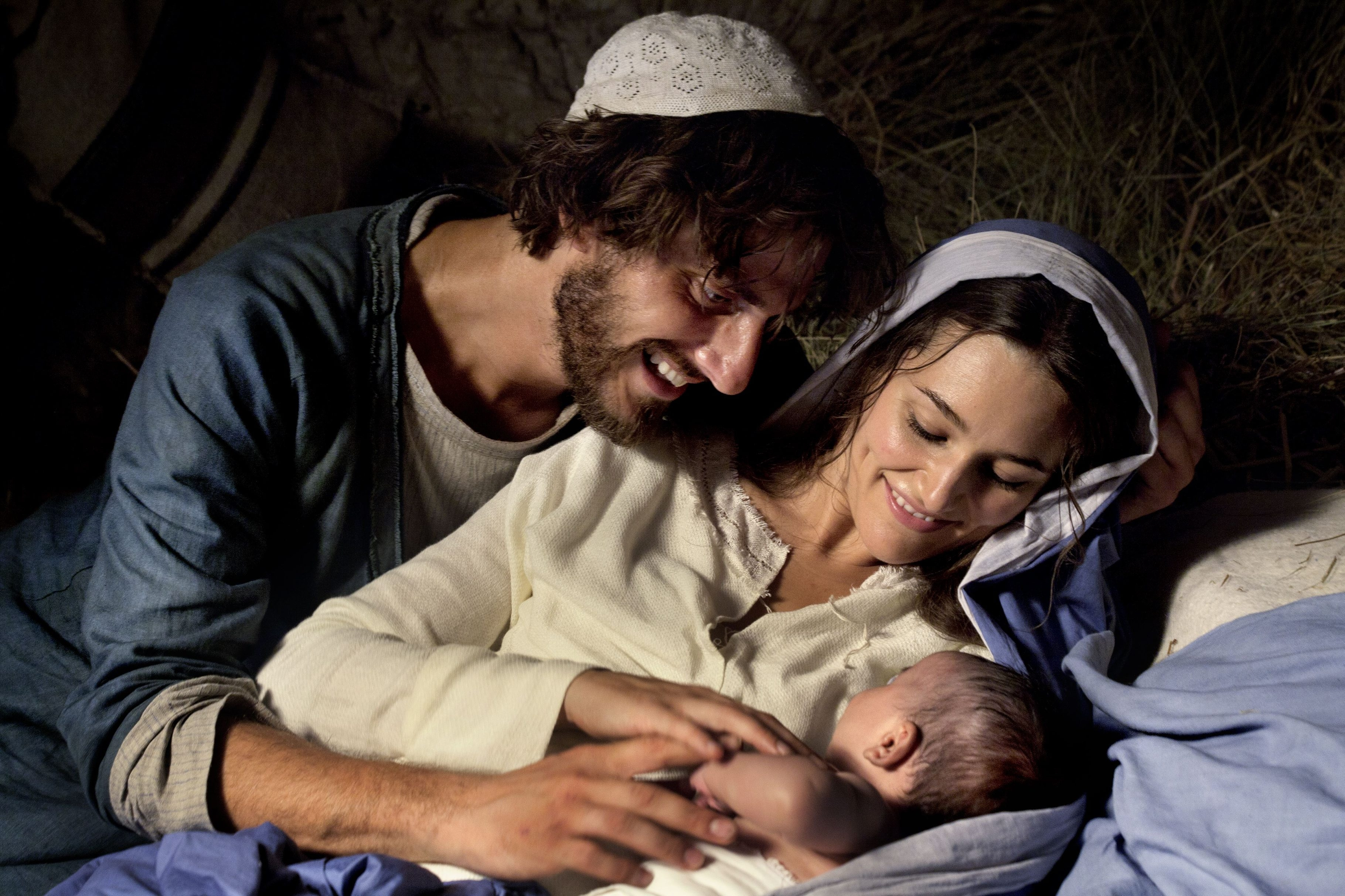 """Alissa Jung is Mary and Luca Marinelli is Joseph in """"Mary of Nazareth."""""""