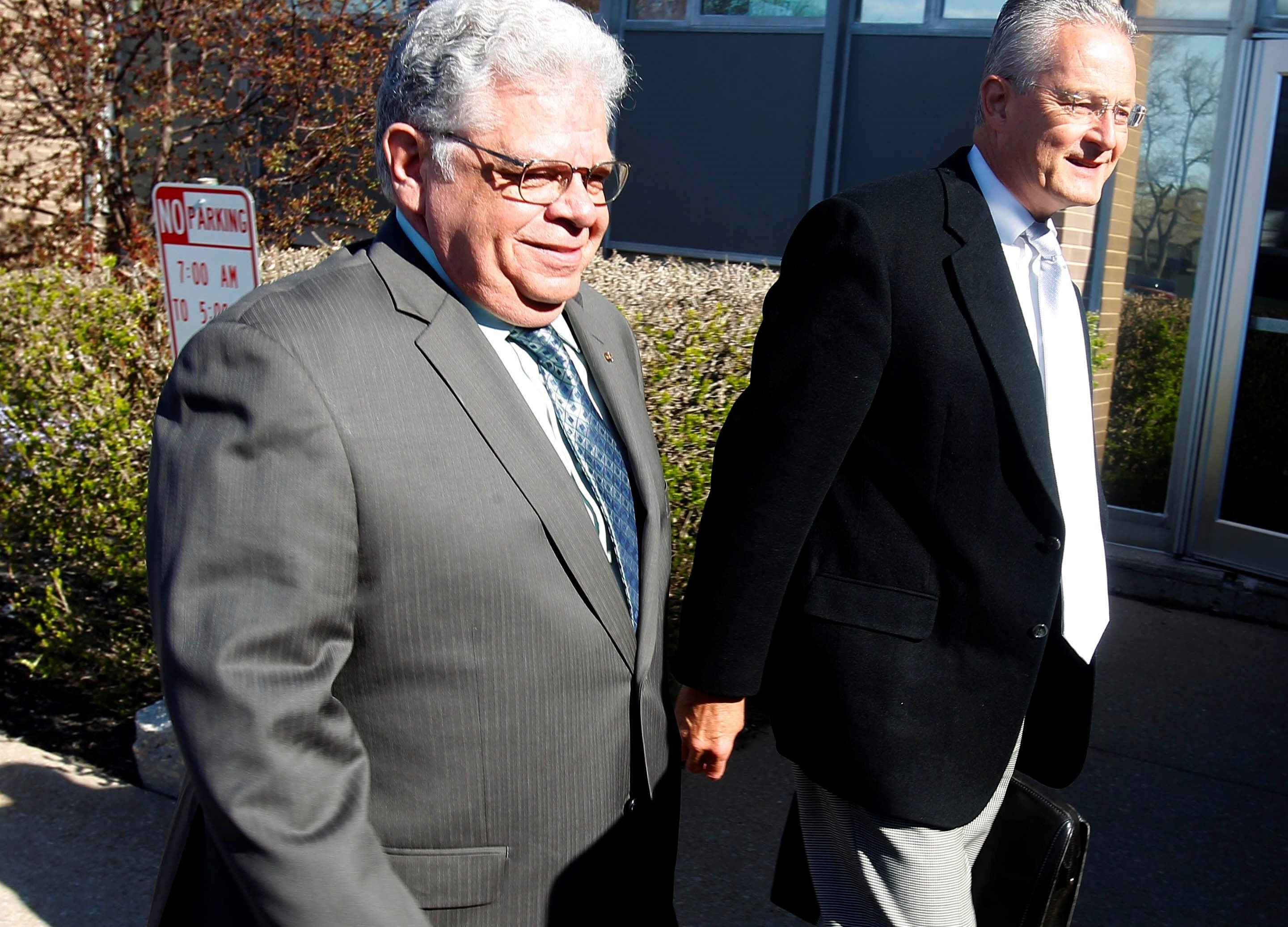 Steven C. Richards, ex-Niagara supervisor, arrives at County Court in Lockport.