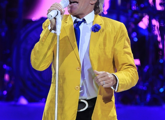 "Rod Stewart performs on ""The Voice The Guitar The Songs"" tour at the First Niagara Center on, Saturday, May 31, 2014.(Photo by Harry Scull Jr. /Buffalo News)"