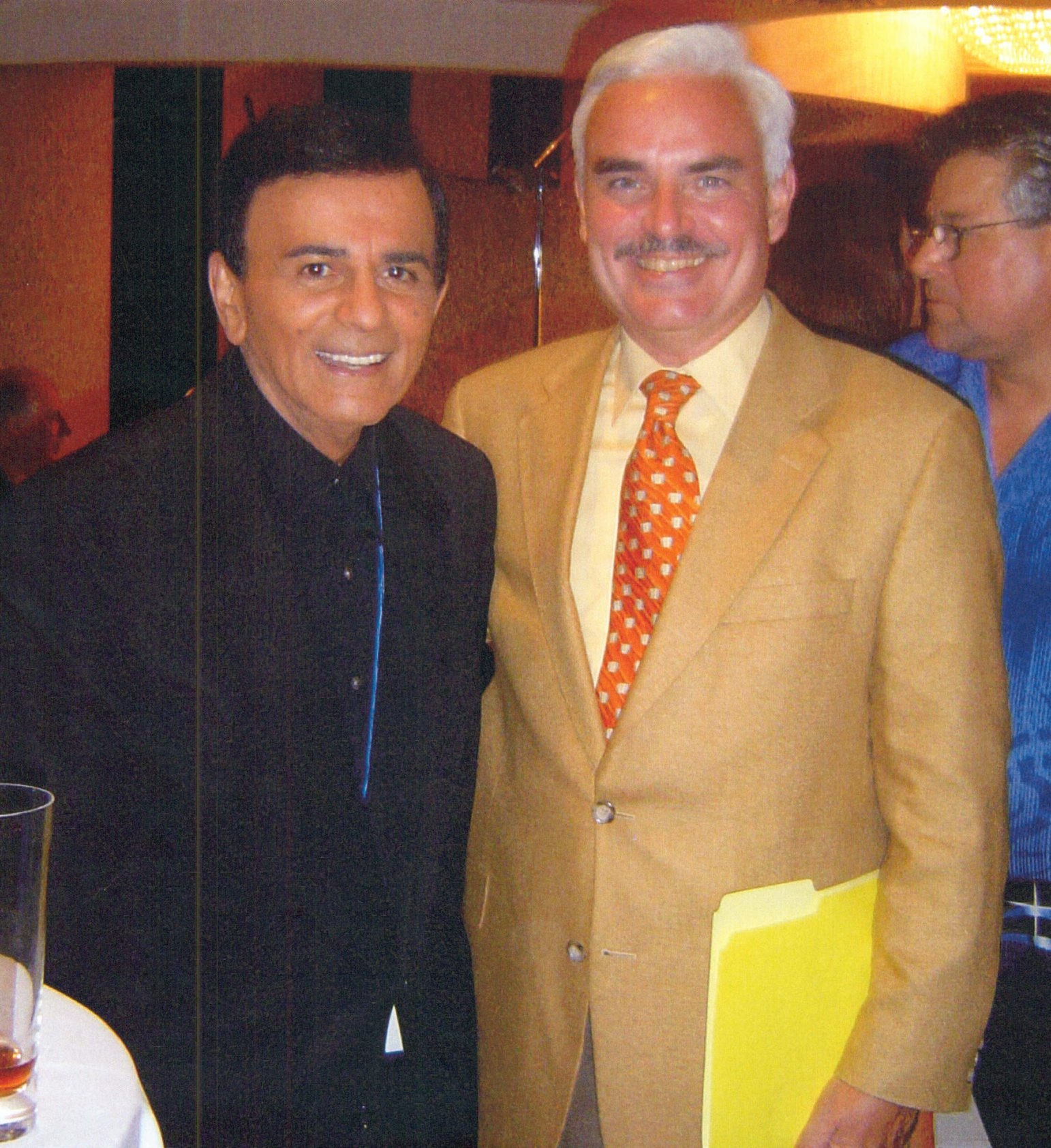Mike Igoe and Casey Kasem at Muscular Dystrophy Telethon conference in Los Angeles in 2005.