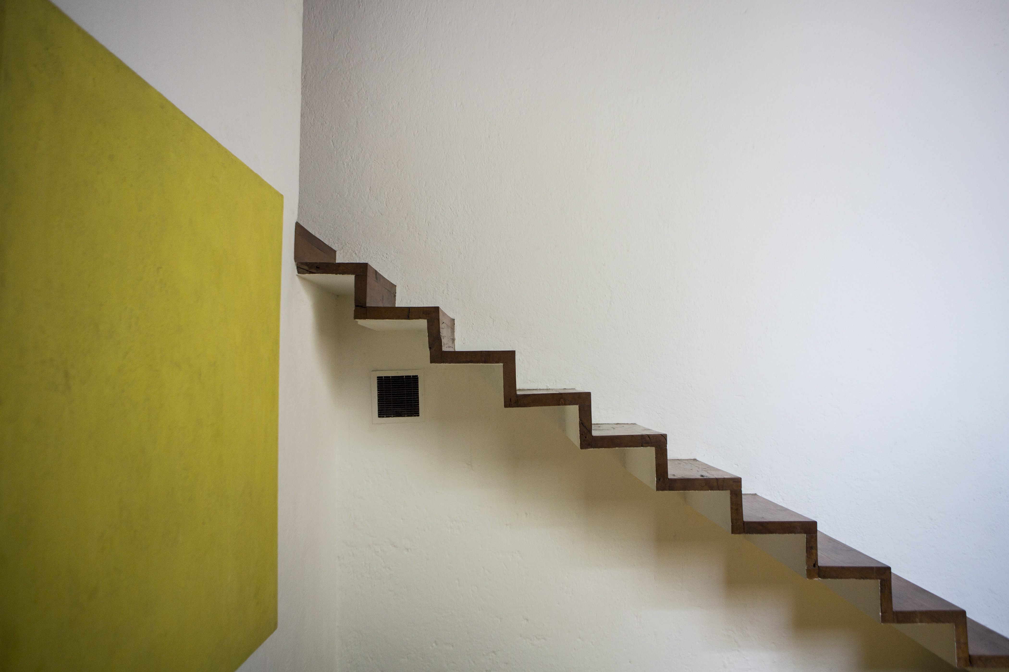 A floating wooden staircase at Casa Luis Barragan, a house the architect built for himself, in Mexico City, May 1, 2014. While some contemporary Mexican architects may affect weariness when the name Luis Barragan arises as the inevitable emblem of the countryþÄôs high culture, his cult abroad has only grown in the years since his death in 1988. (All works by Luis Barragan: Barragan Foundation, Switzerland/Artists Rights Society (ARS), New York. Photos by Adriana Zehbrauskas/The New York Times) — PHOTO MOVED IN ADVANCE AND NOT FOR USE – ONLINE OR IN PRINT – BEFORE JUNE 15, 2014.
